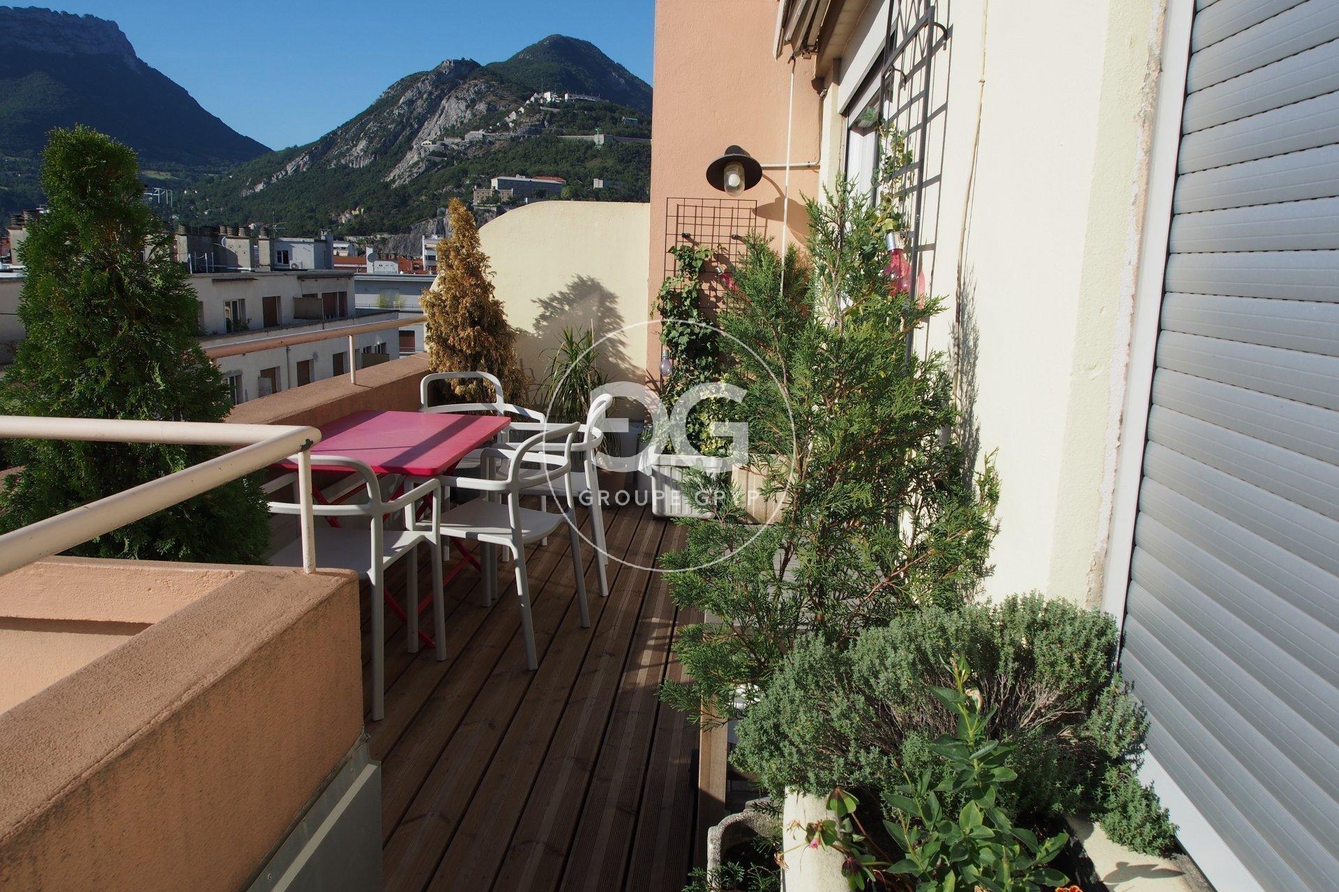 Sale Apartment - Grenoble Championnet