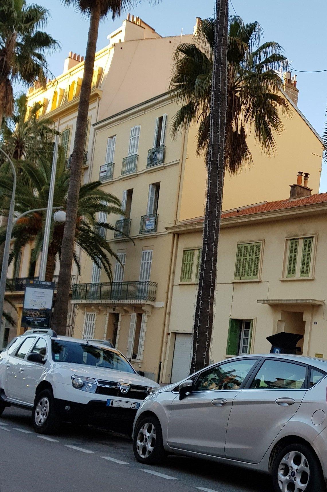 Sale Building - Hyères Centre-ville