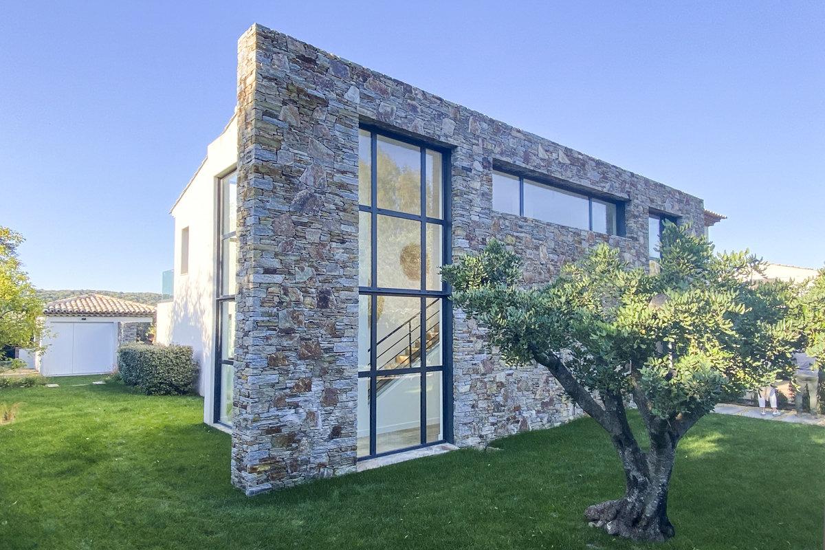 Beautiful modern villa in Saint Tropez