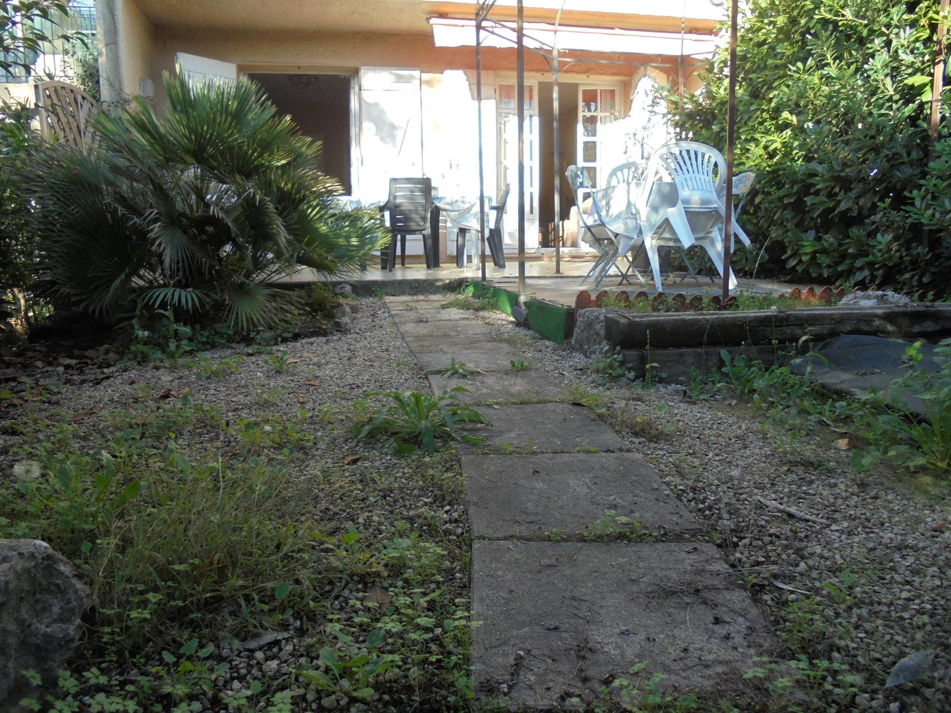 PEYMEINADE, En rez de jardin Appartement 2 Pièces, Parking