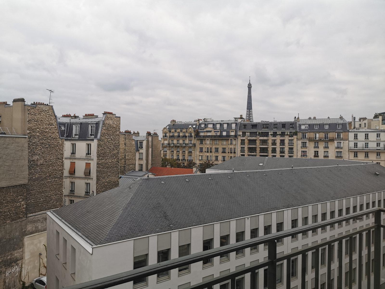 Un magnifique studio vue Tour Eiffel
