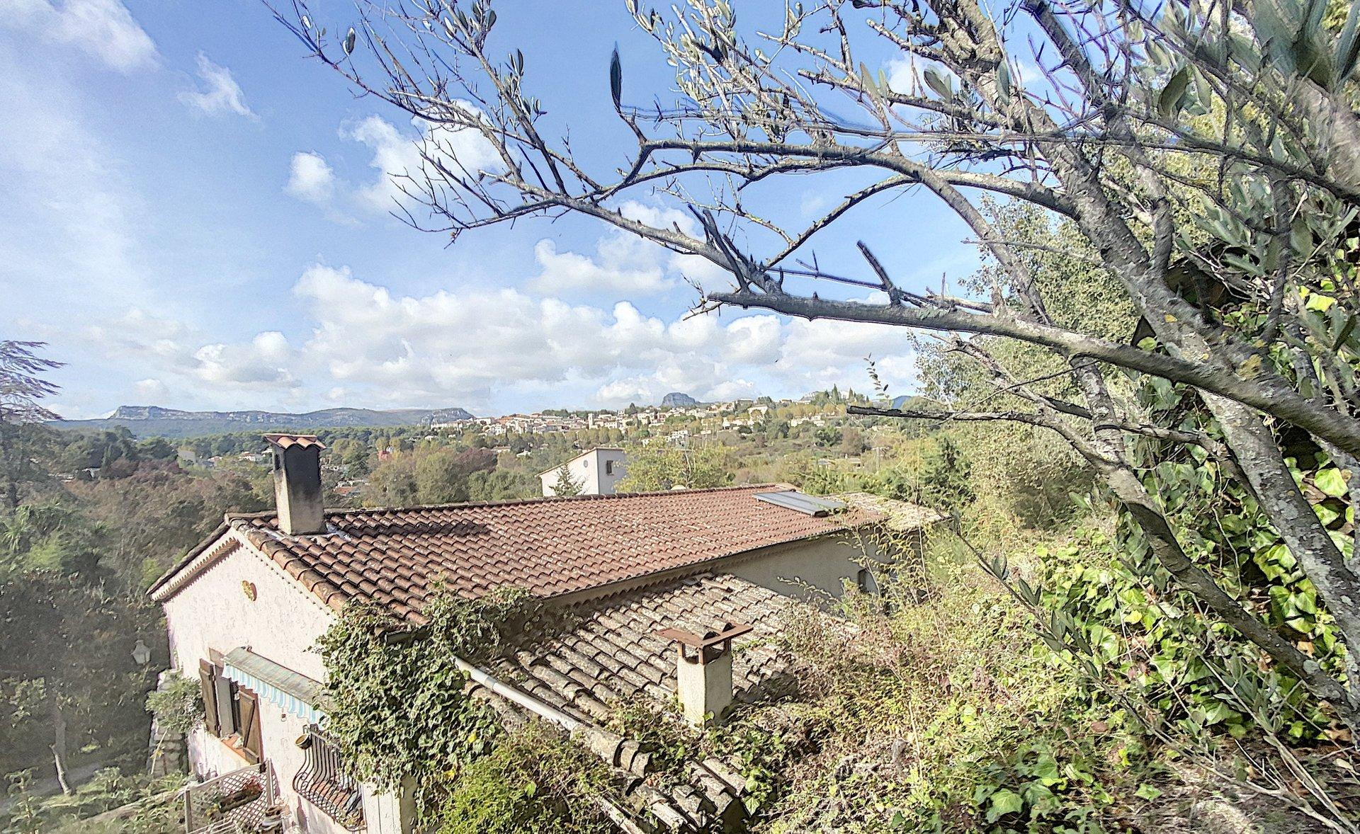 Villa au calme absolu,  jardin, piscine et dépendance