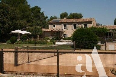 MAS SIMON - EYGALIERES- ALPILLES- 5 bedrooms- 10 people