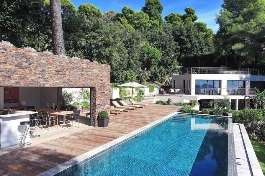 CONTEMPORARY VILLA CANNES