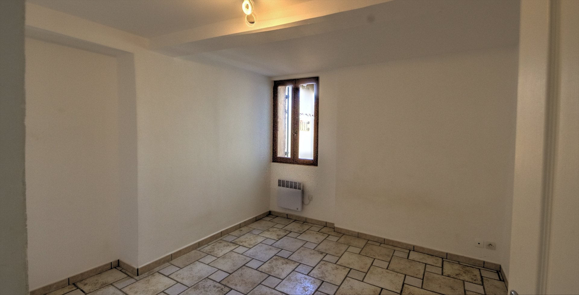 Near Lorgues, beautiful apartment with garage