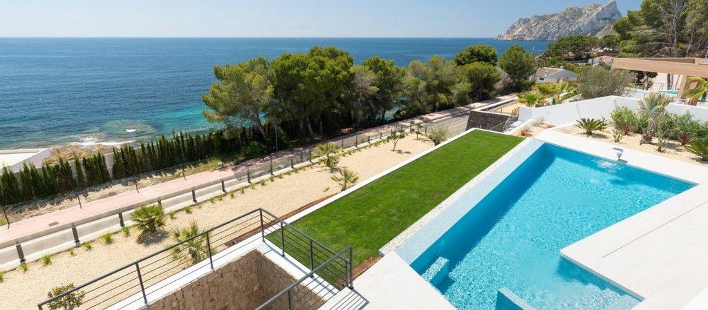 Luxe moderne villa aan zee in Benissa