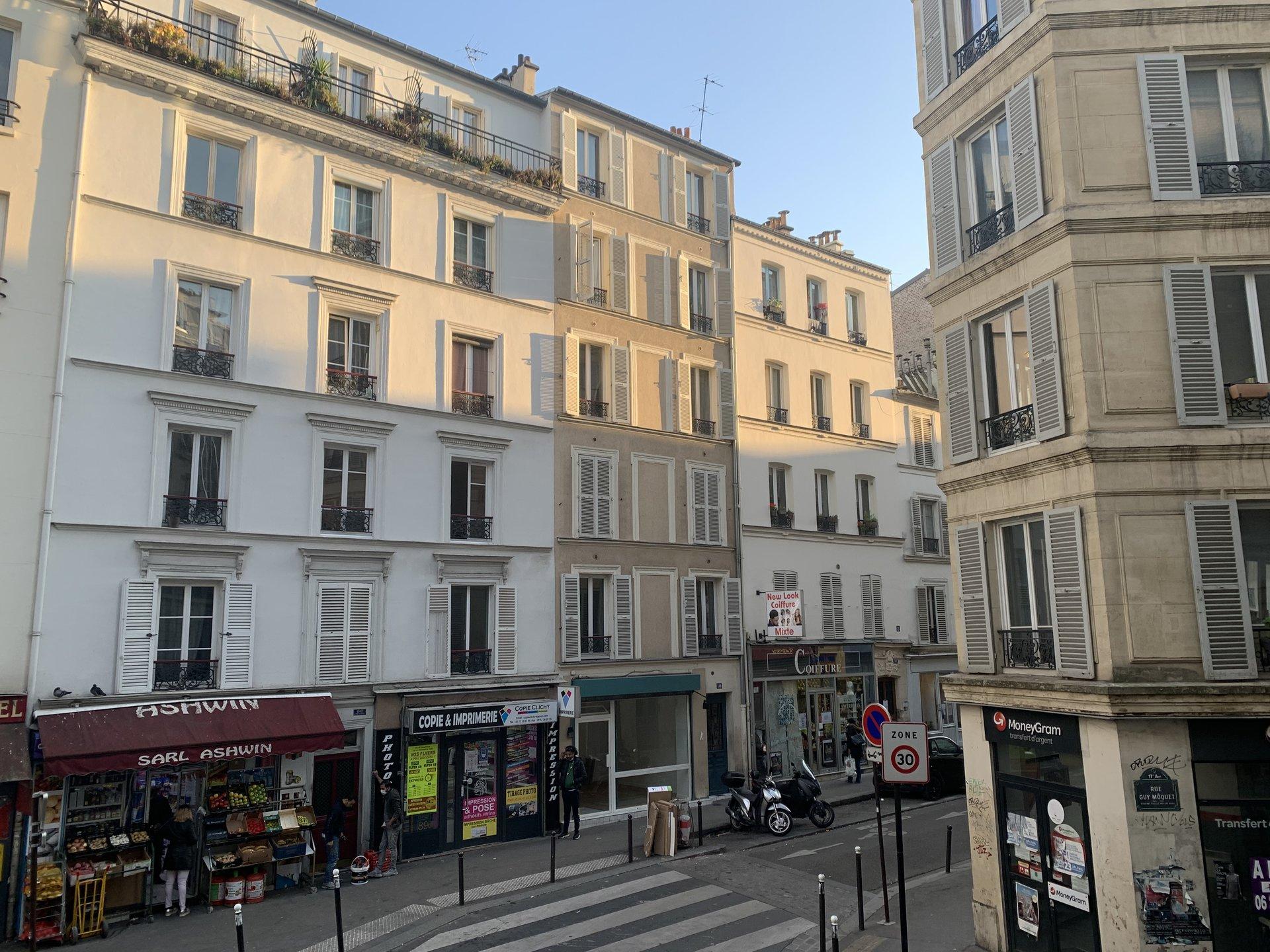 Paris - XVII ème - BATIGNOLLES - M° Brochant - 2 PIÈCES TRAVERSANT - VENDU MEUBLÉ - IMMEUBLE D'ANGLE - VUE DÉGAGÉE - SEUL SUR LE PALIER  - CALME - EXCELLENT RENDEMENT - DOUBLE AFFECTATION