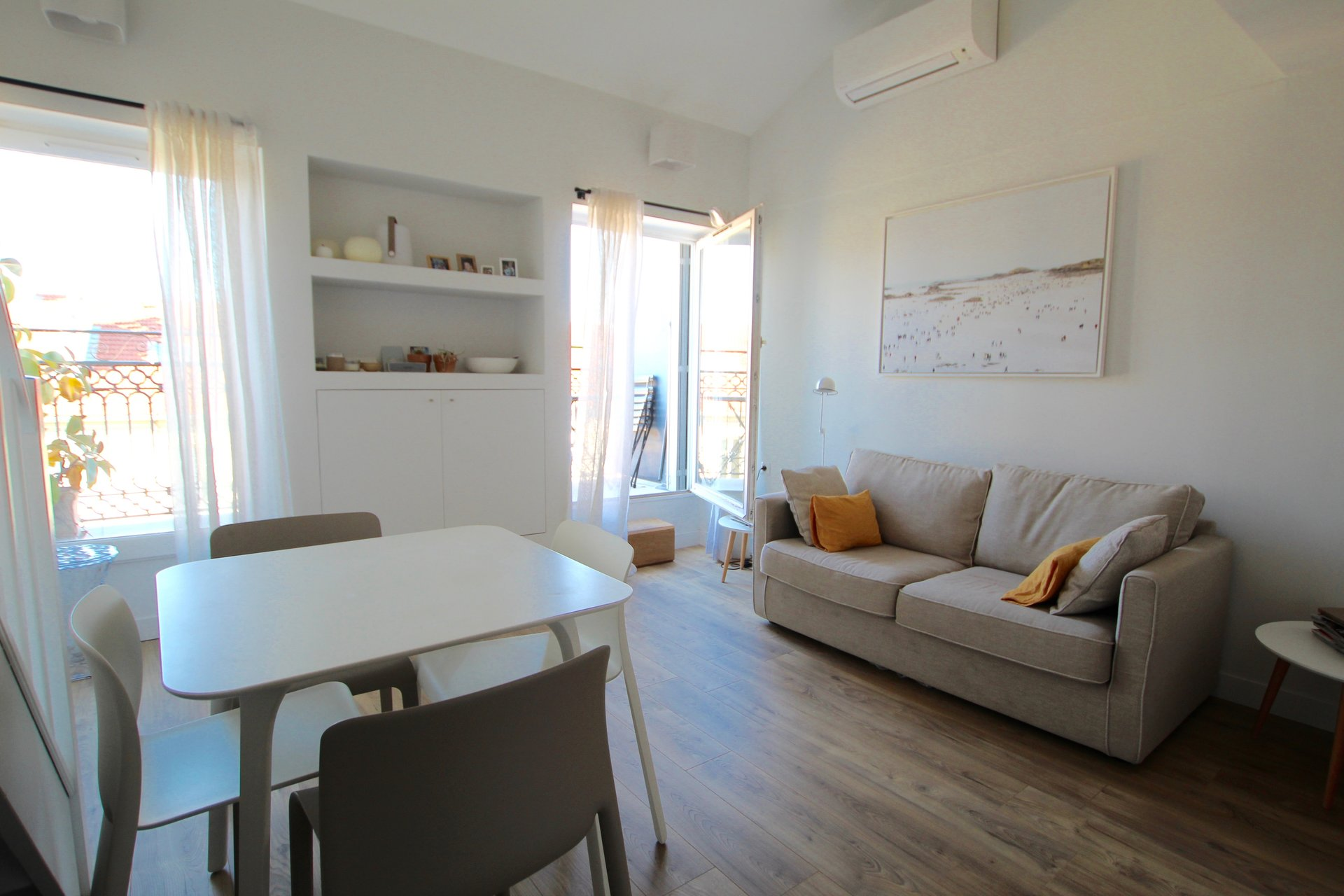 NICE CENTER - 1 bedroom - Top Floor - Balcony