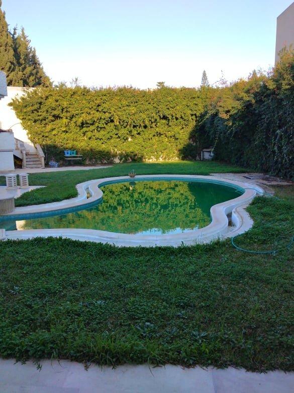 A louer un rez de chaussée d'une villa meublé avec piscine
