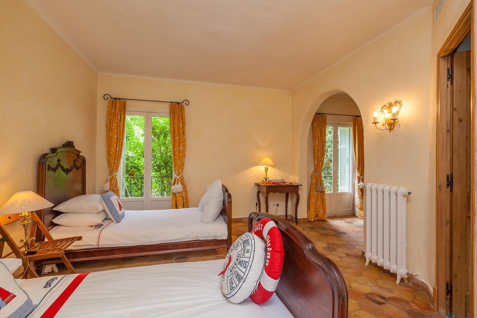Verkauf Haus - Roquefort-les-Pins - Frankreich