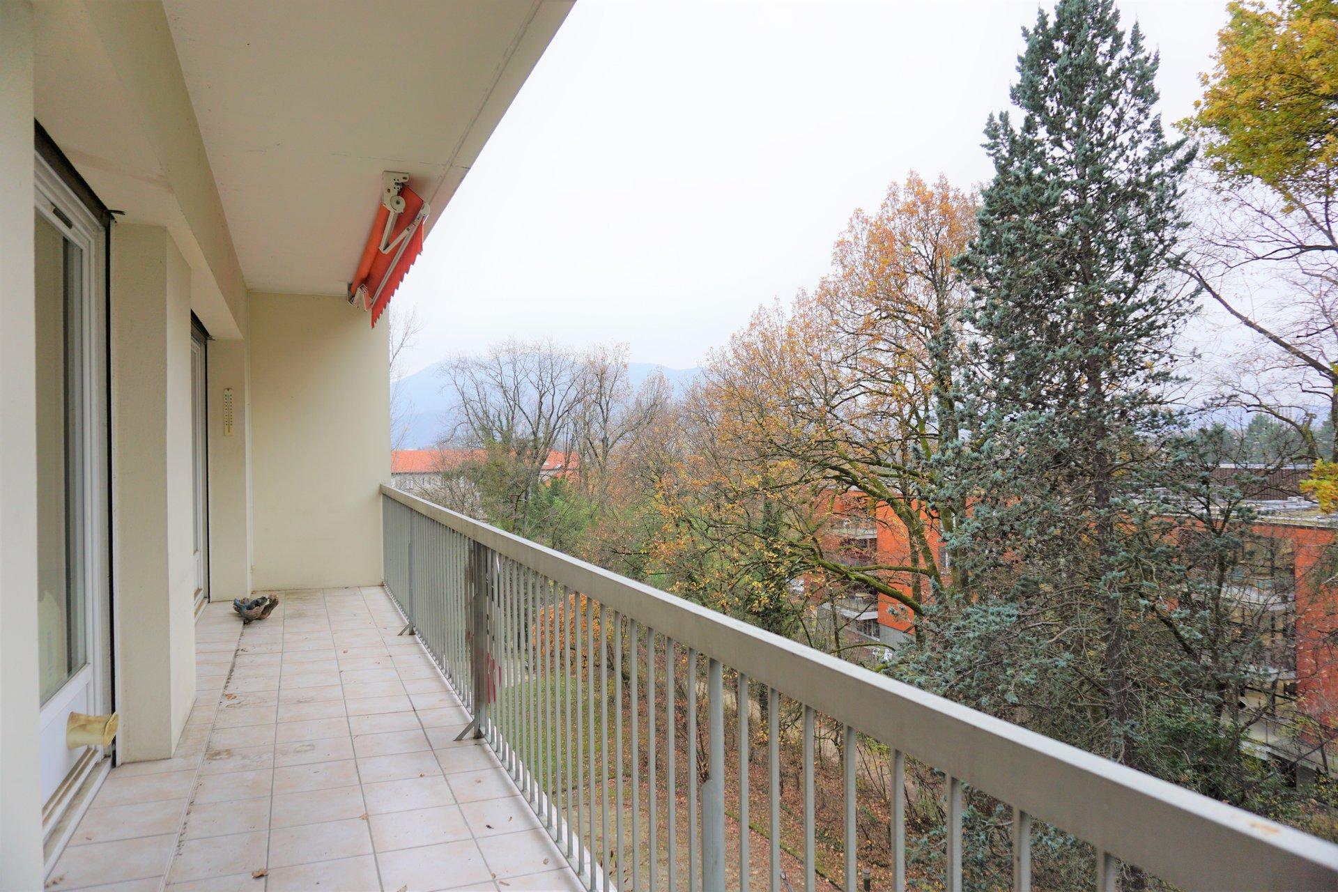 Le beau balcon soleil couchant