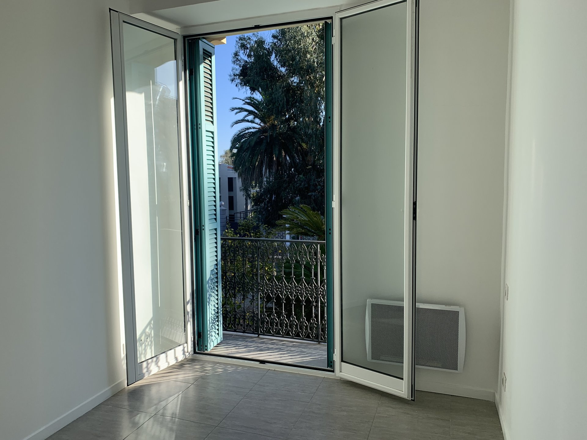 CANNES FOR SALE 2 ROOMS CLOSE TO THE BEACHES