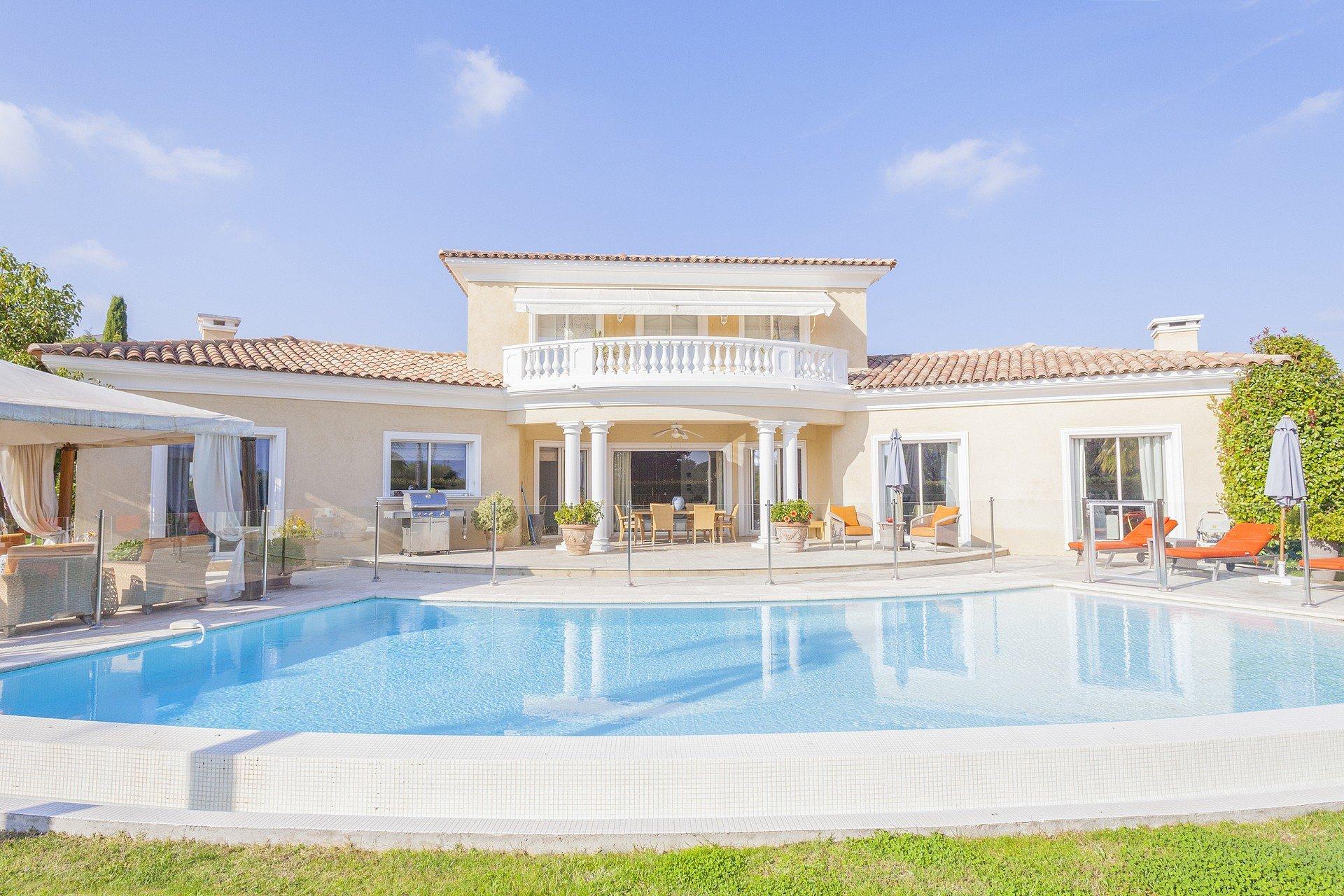 Saint-Paul de Vence, beautiful Proençal villa