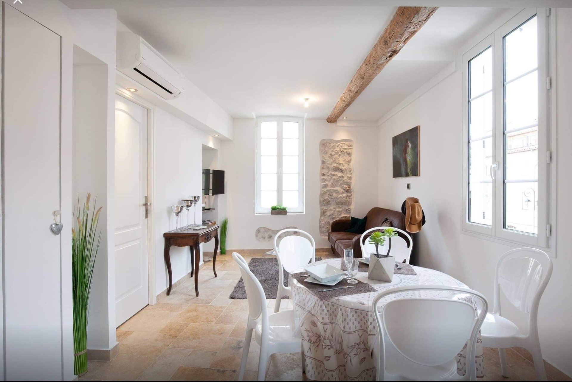 One bedroom apartment in the old town of Antibes