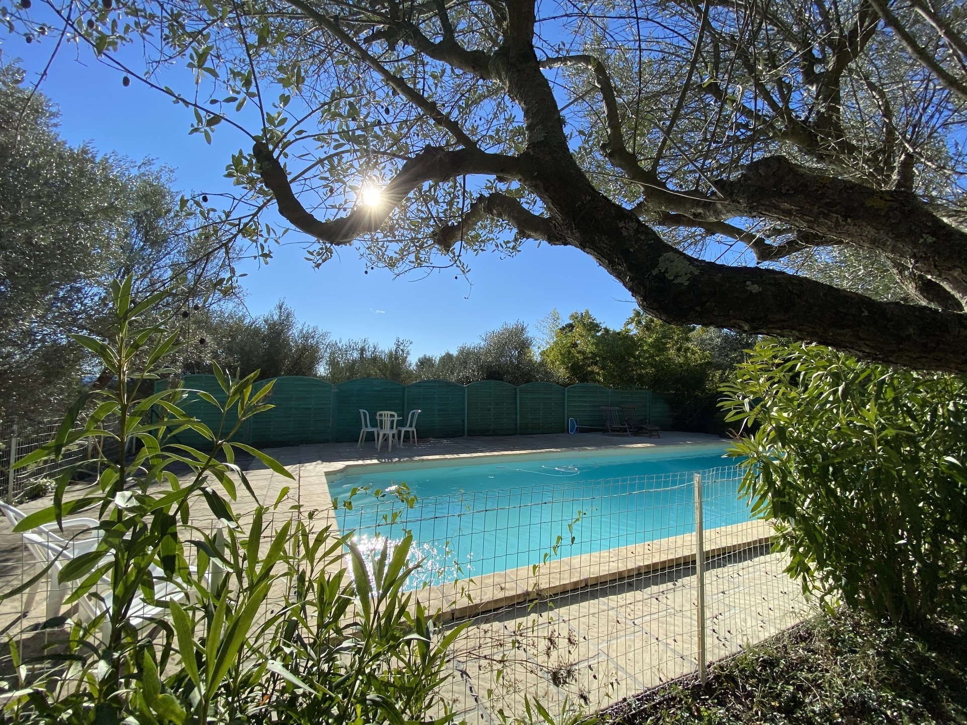PROVENCAL VILLA WITH SWIMMING POOL CLOSE TO THE CENTER