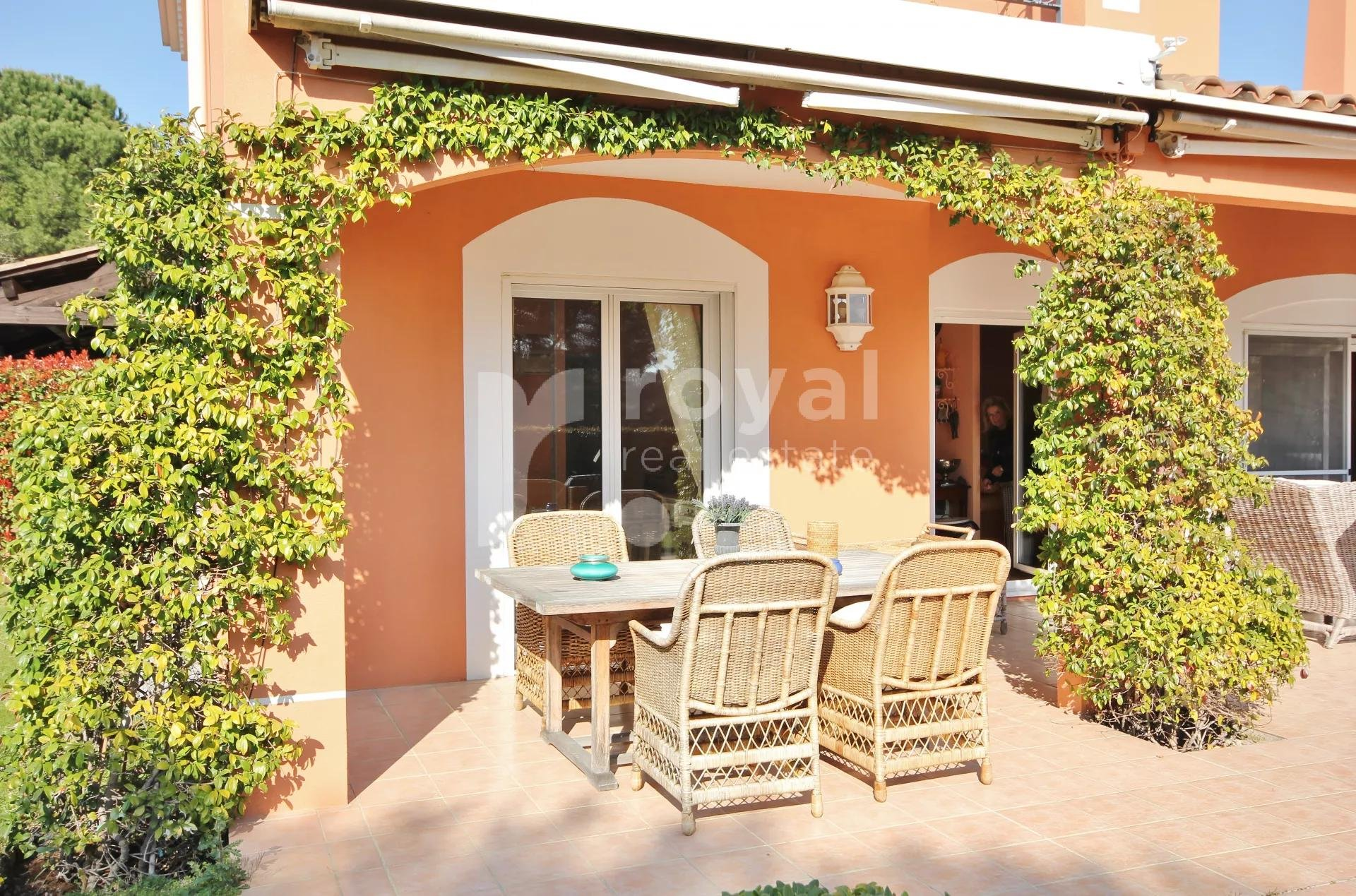 INDIVIDUAL VILLA IN CLOSED DOMAIN - MOUGINS GOLF