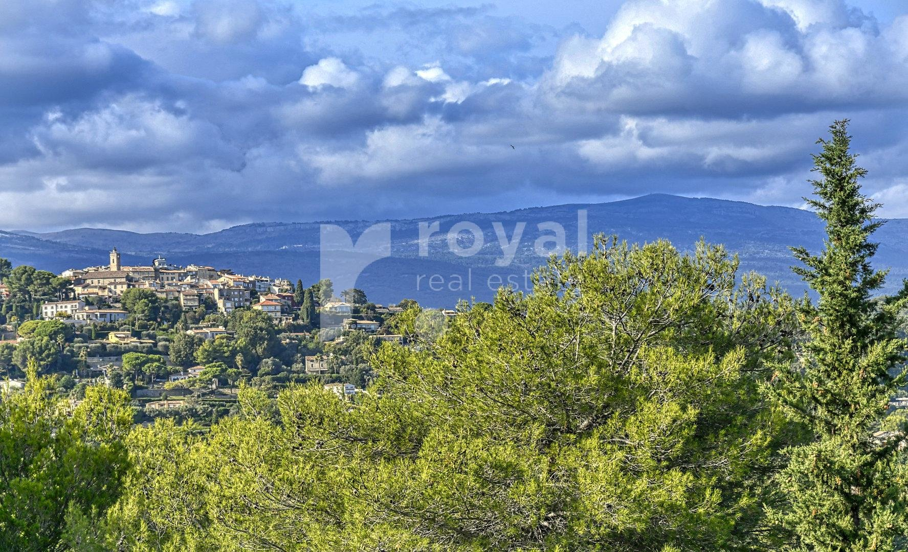 Spacious villa for sale on the heights of Mougins