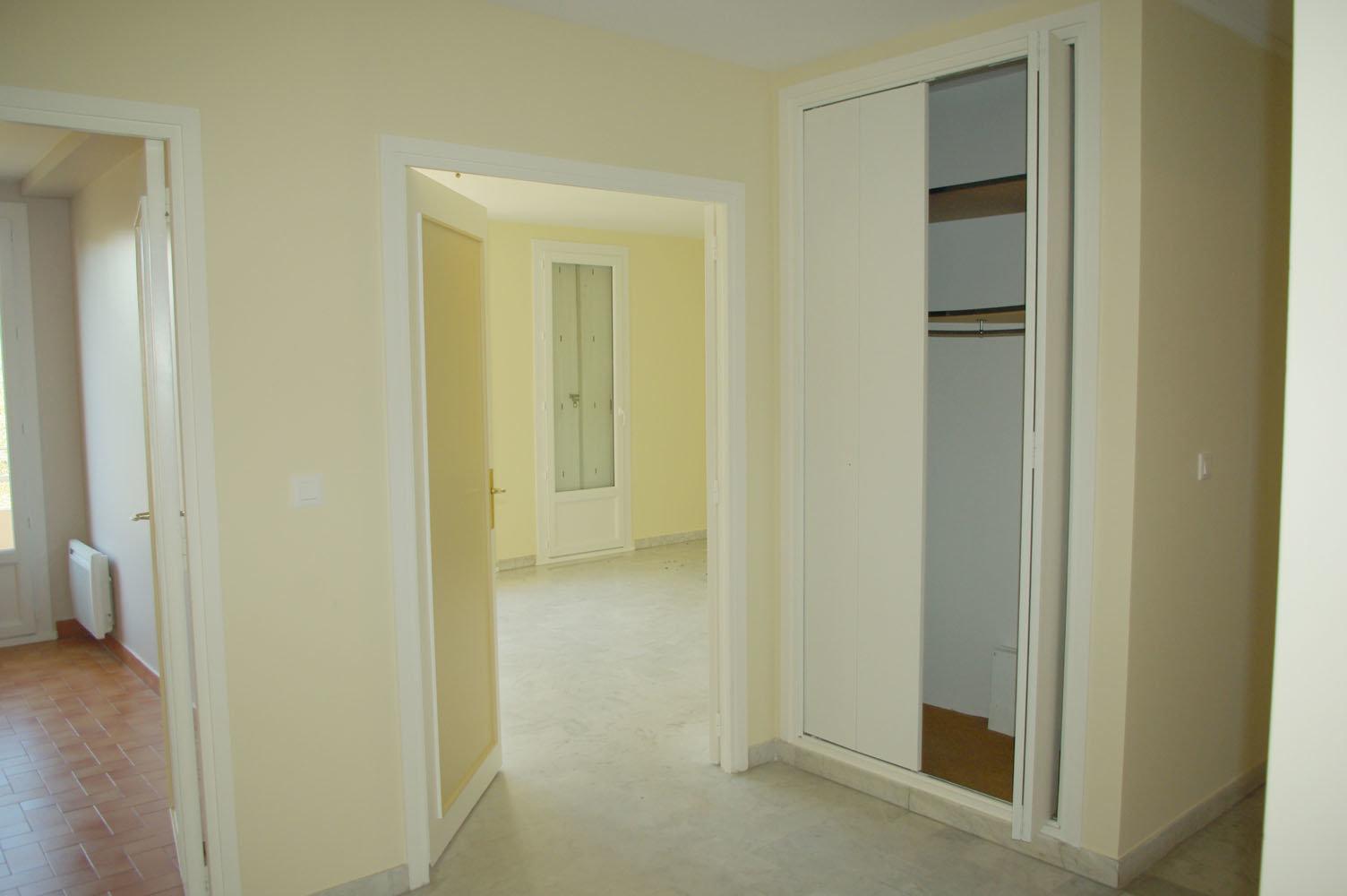 SAINT RAPHAEL-PROCHE CENTRE-T3-75M²