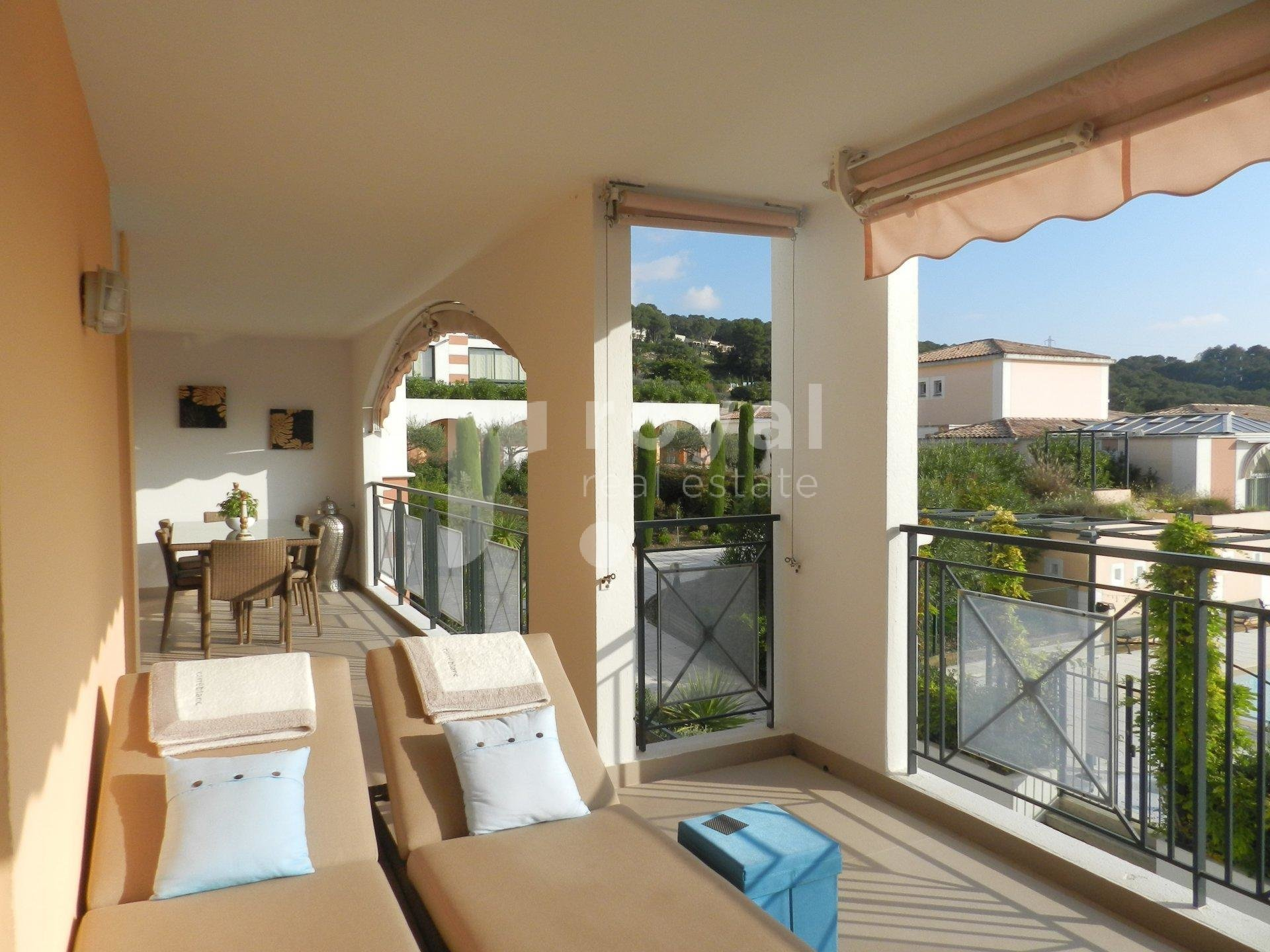 FOR SALE APARTMENT - MOUGINS GOLF