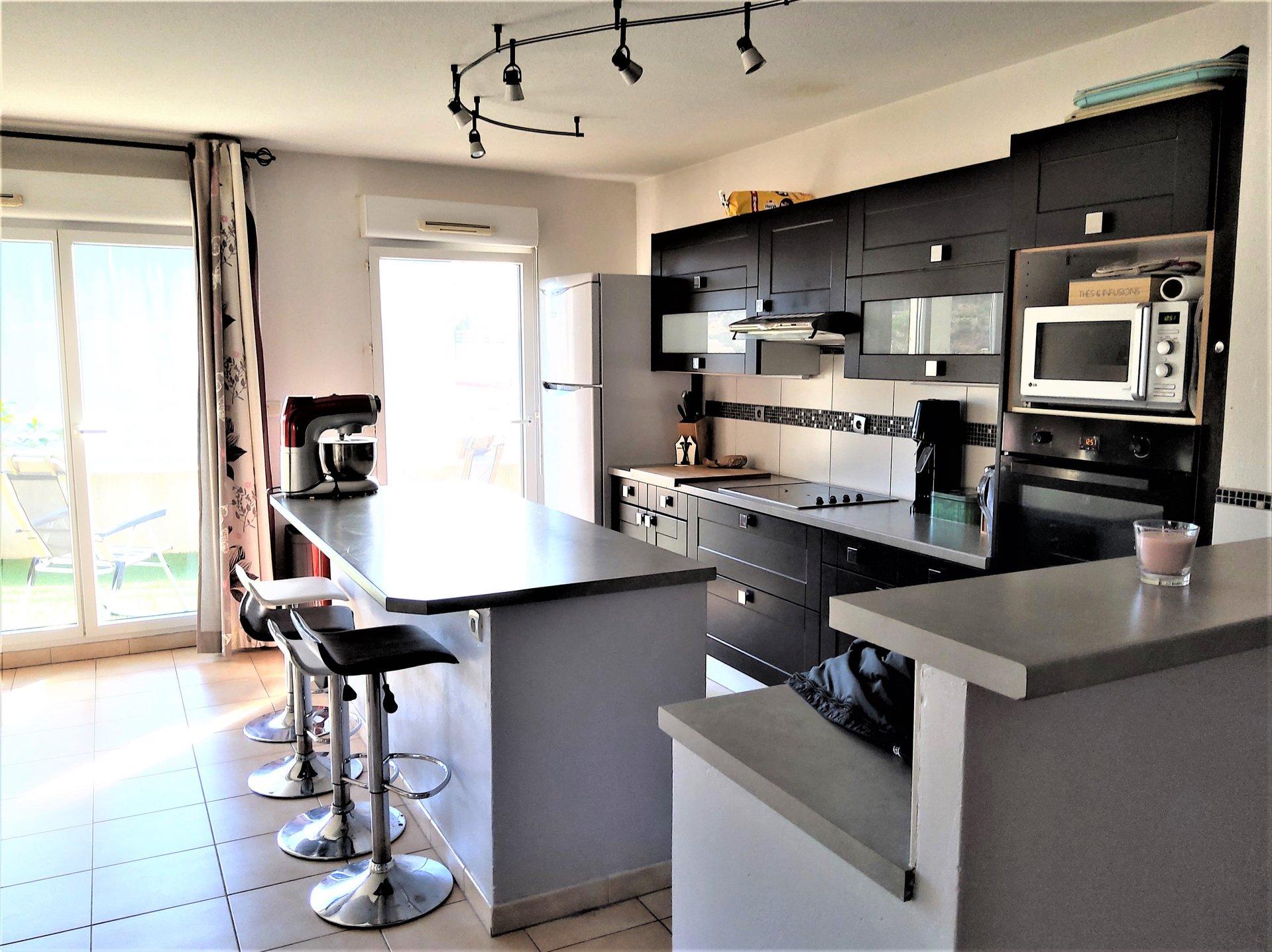 Stainless steel, kitchen island, kitchen bar