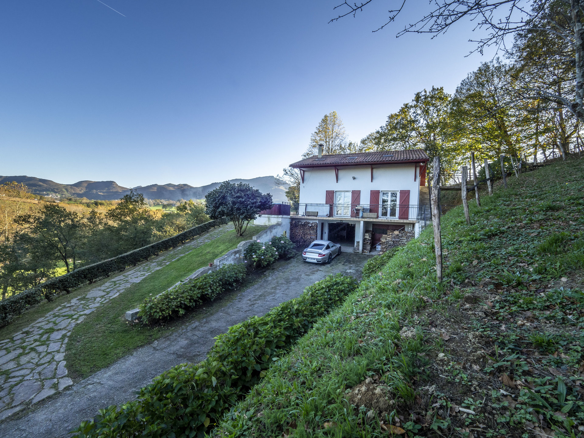 Propriété avec panorama exceptionnel sur les Pyrénées