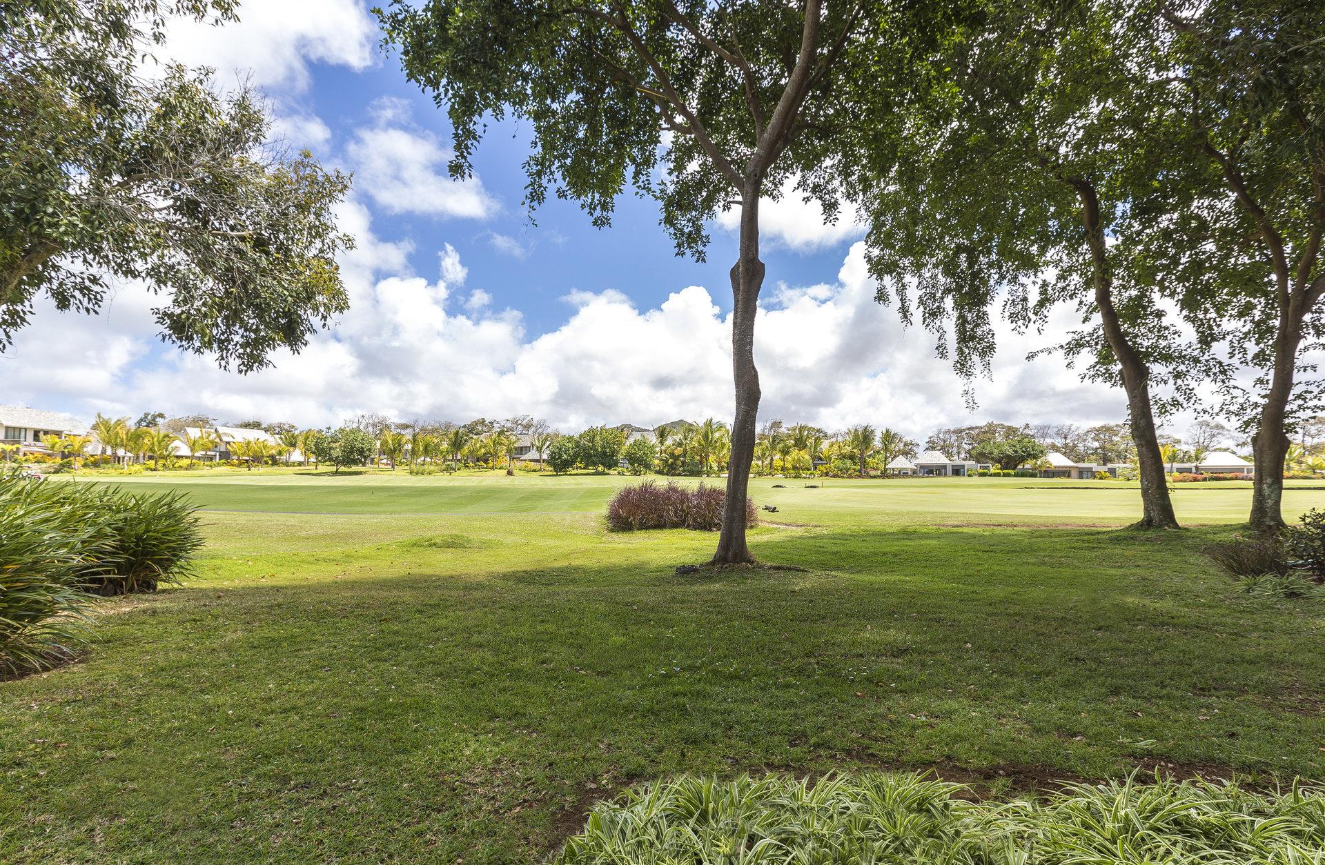 Opportunité unique d'appartement entre golf et mer