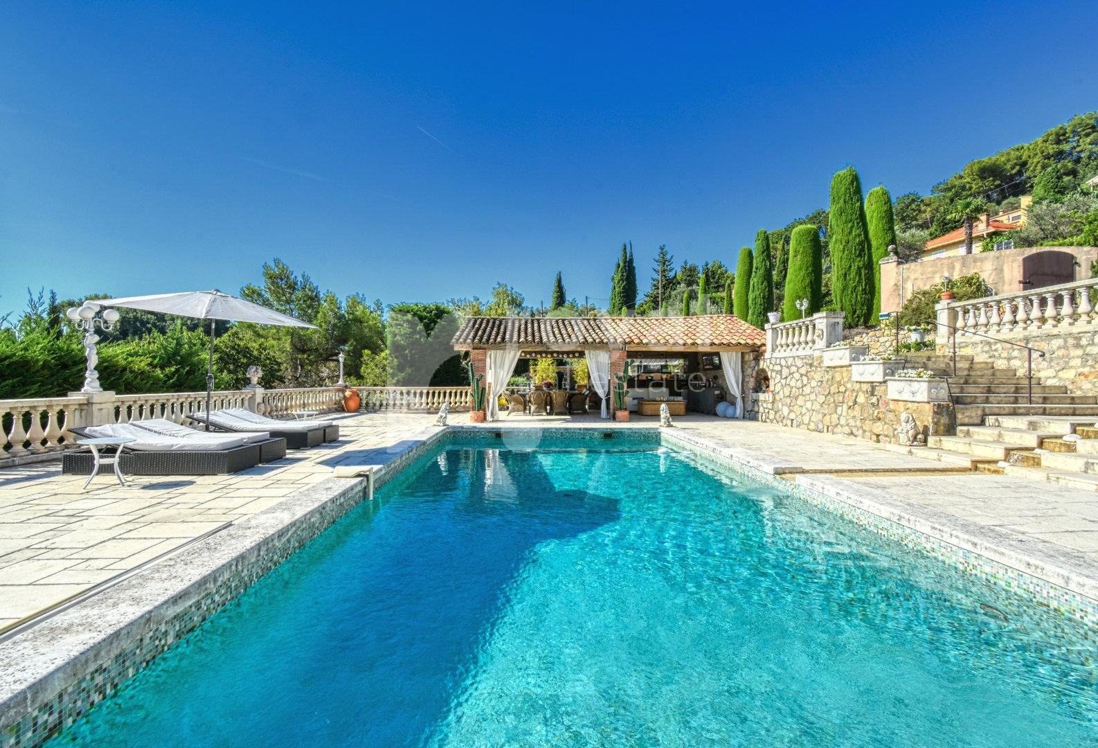 FOR SALE VILLA - MOUGINS