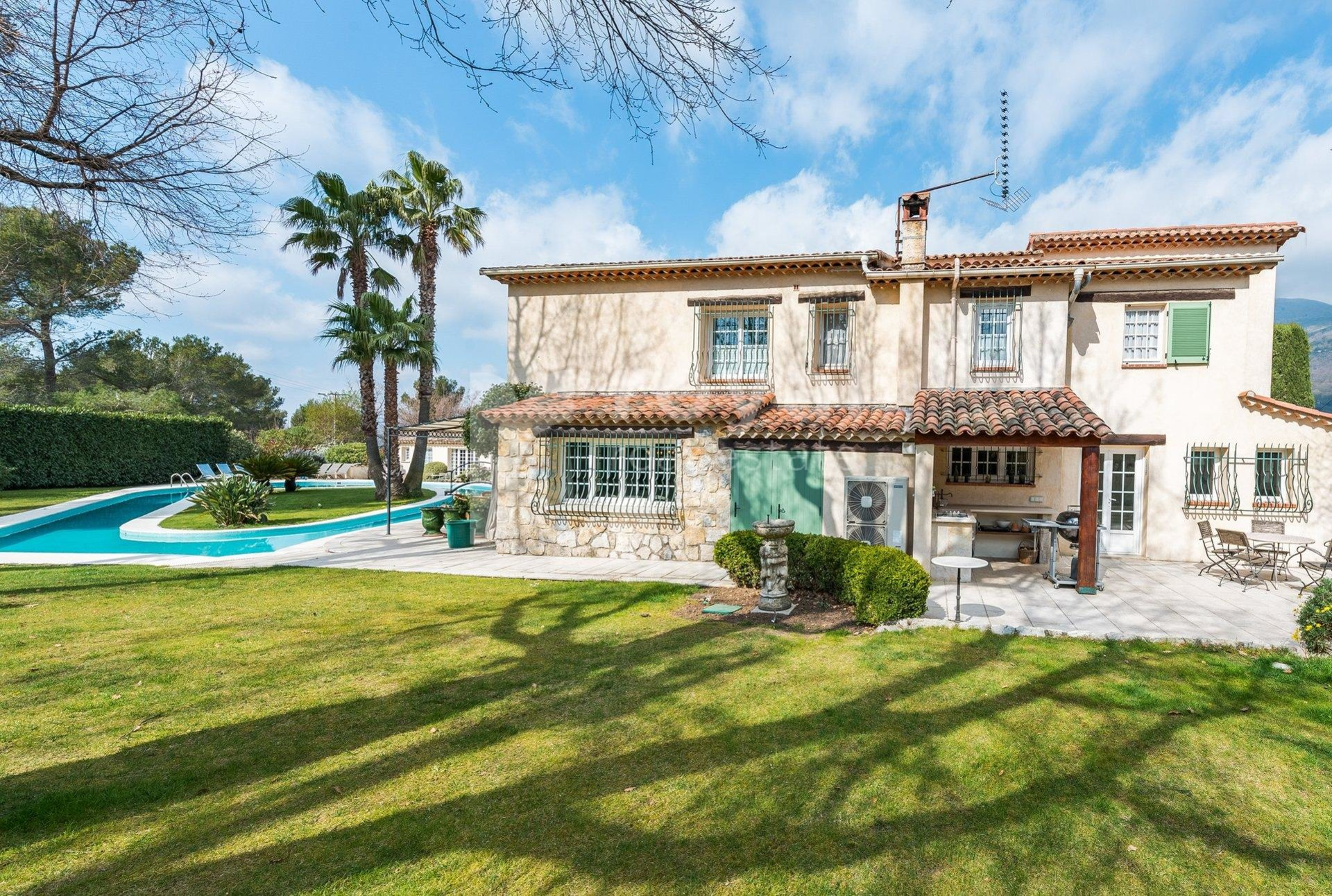 FOR SALE VILLA - VENCE