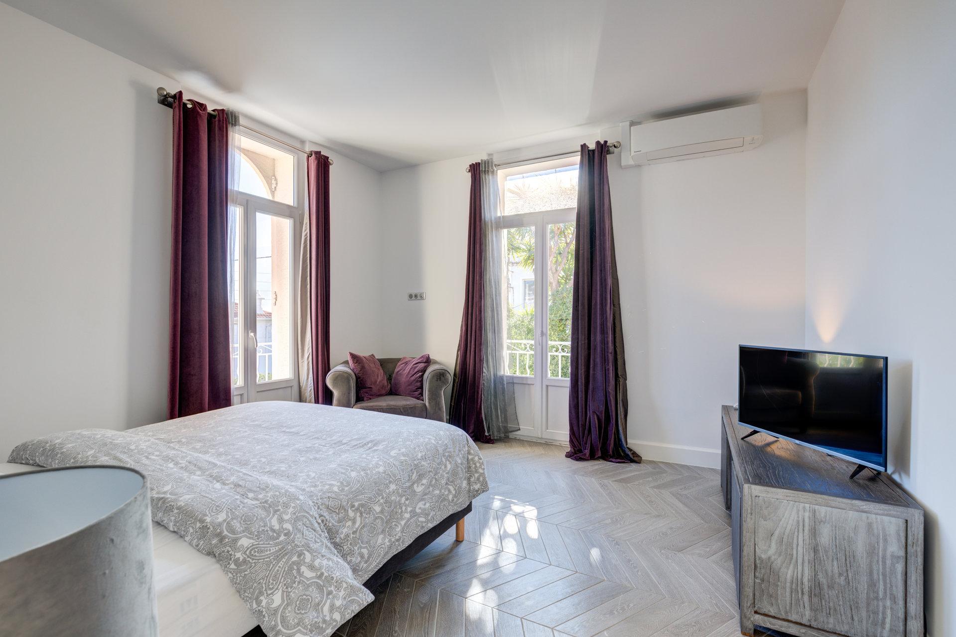Sale Apartment - Cannes Petit Juas - France