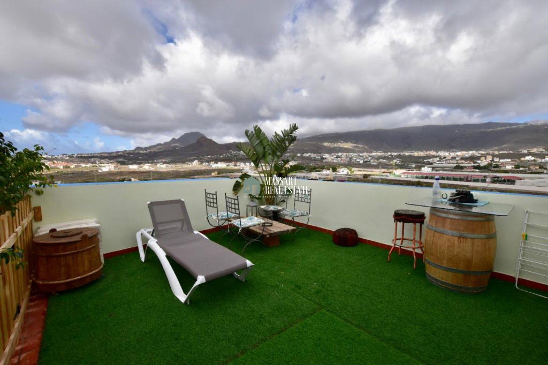 Penthouse de 144m2 neuf dans la zone stratégique et calme de Buzanada caractérisée par sa vue de rêve sur la mer et les montagnes.