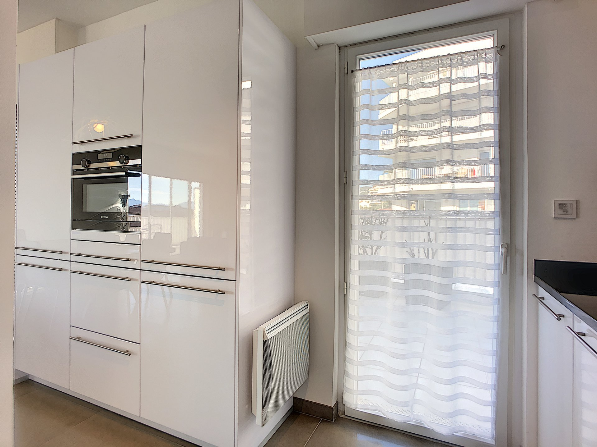 Beautiful 2 bedrooms apartment of 105 sqm downtown Cannes Montfleury