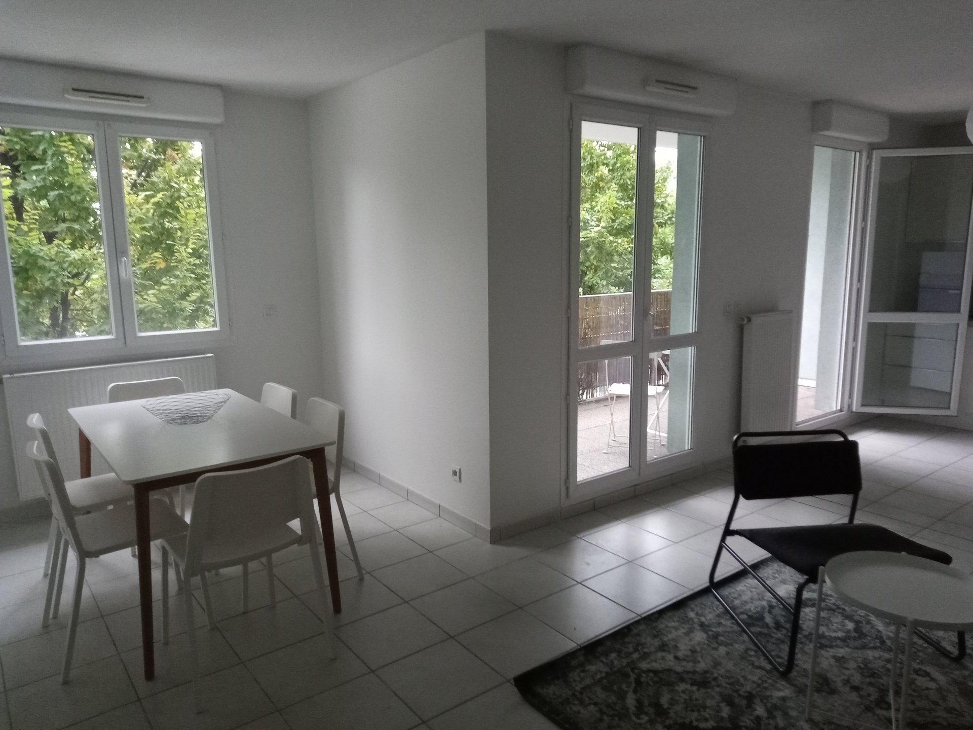T3 avec balcon meublé