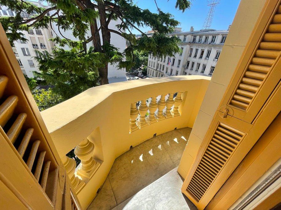 """Nice Dubouchage / Foch - """"Belle Époque"""" 3 bedoom flat top floor"""