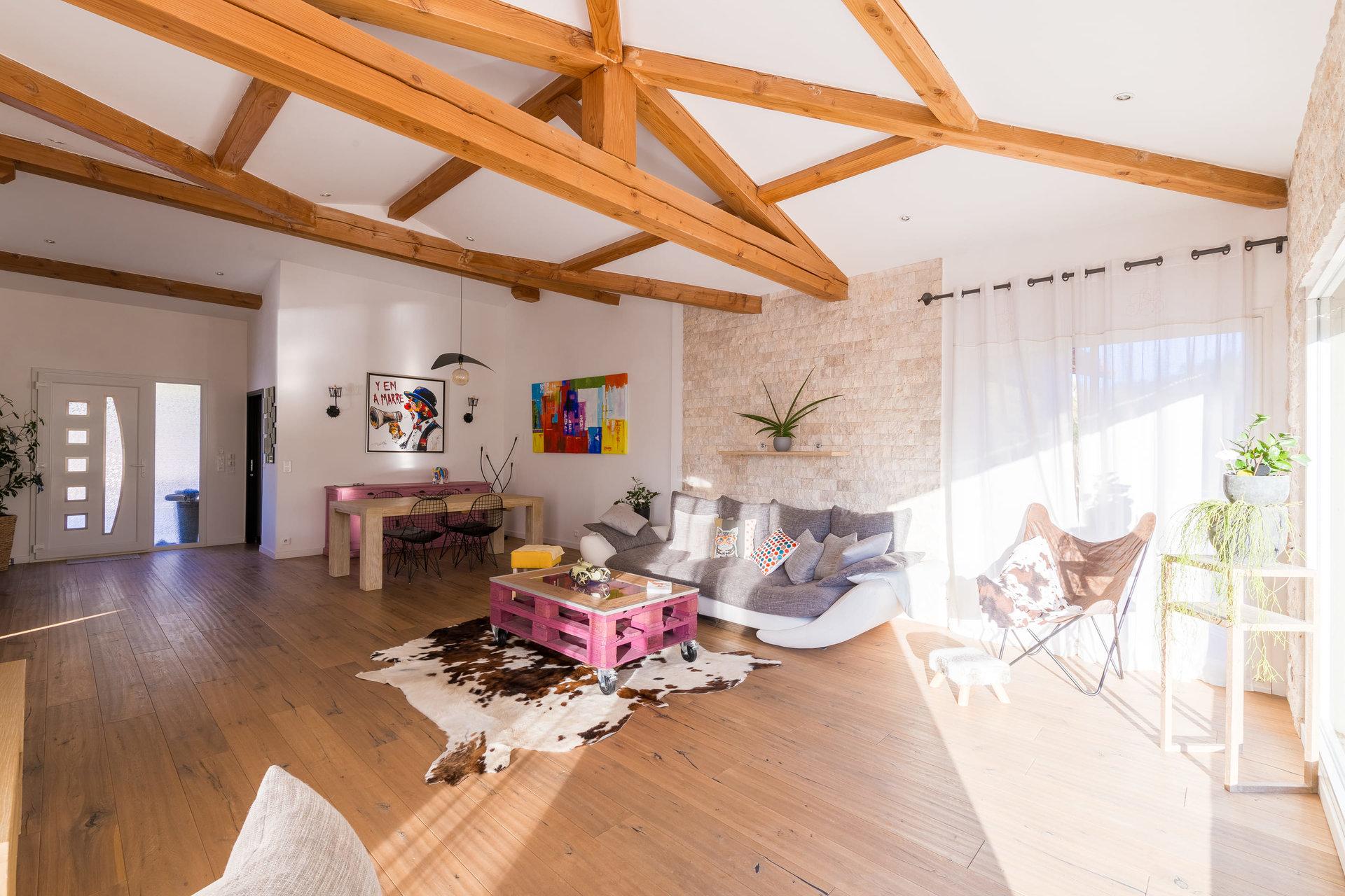 TOURRETTE LEVENS - Magnifique villa contemporaine