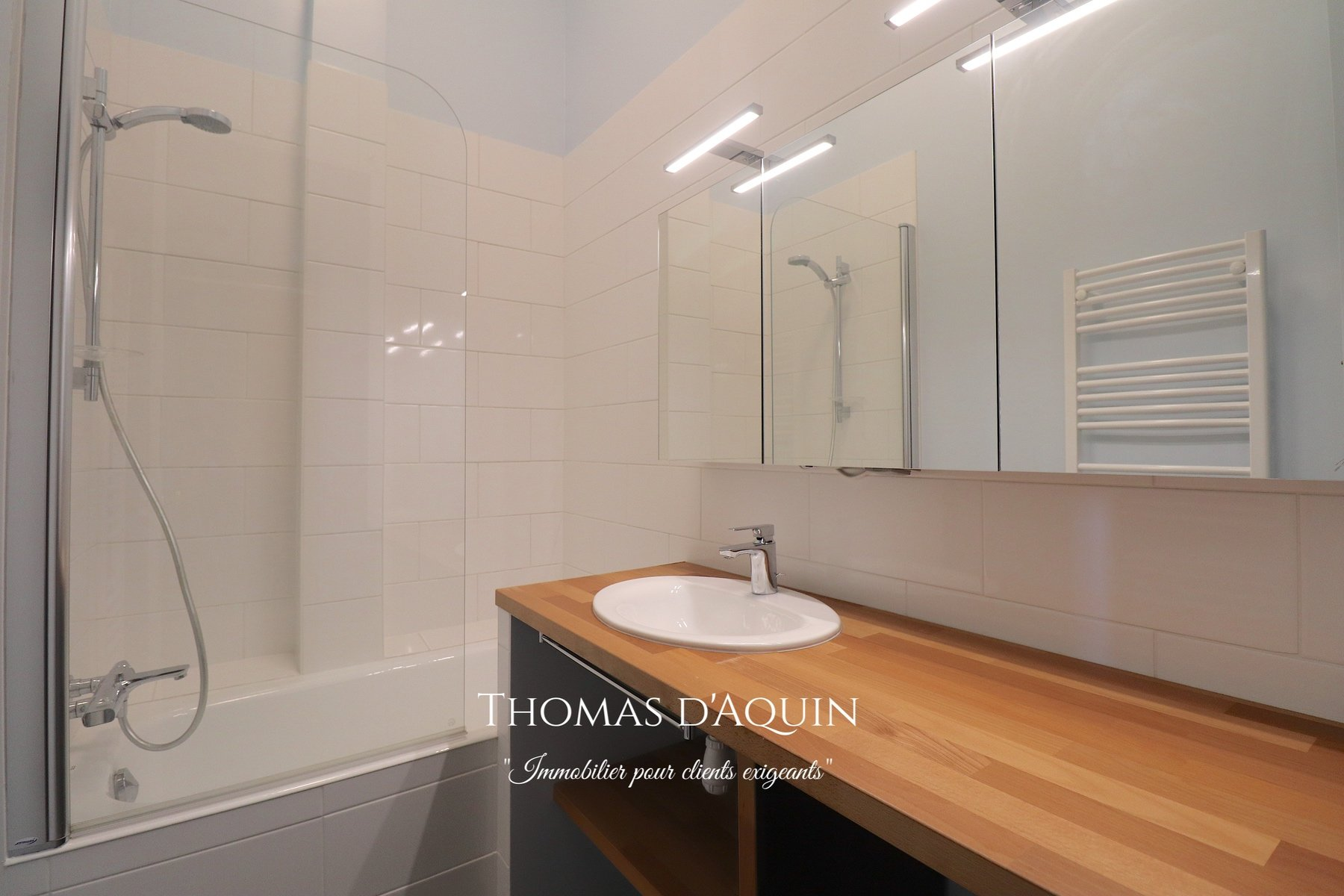 Sale Apartment - Paris 7th (Paris 7ème) Saint-Thomas-d'Aquin