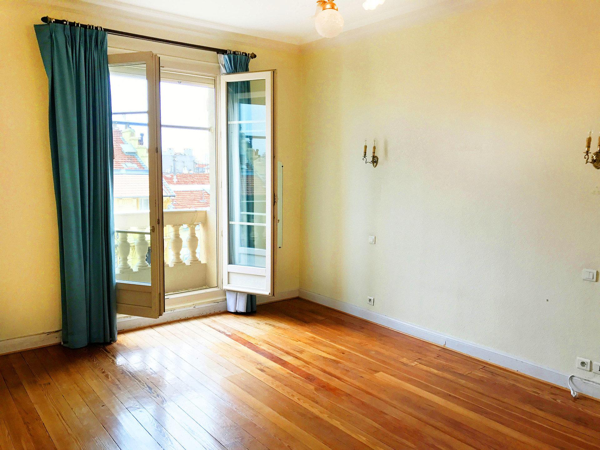 LIBERATION 4 Pièces 117 m² 1510 € cc