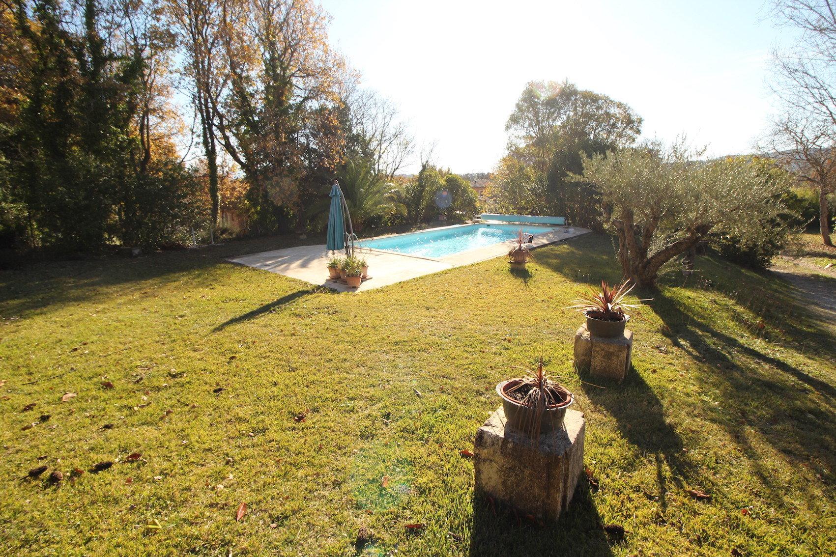 Sale Villa - Besse-sur-Issole
