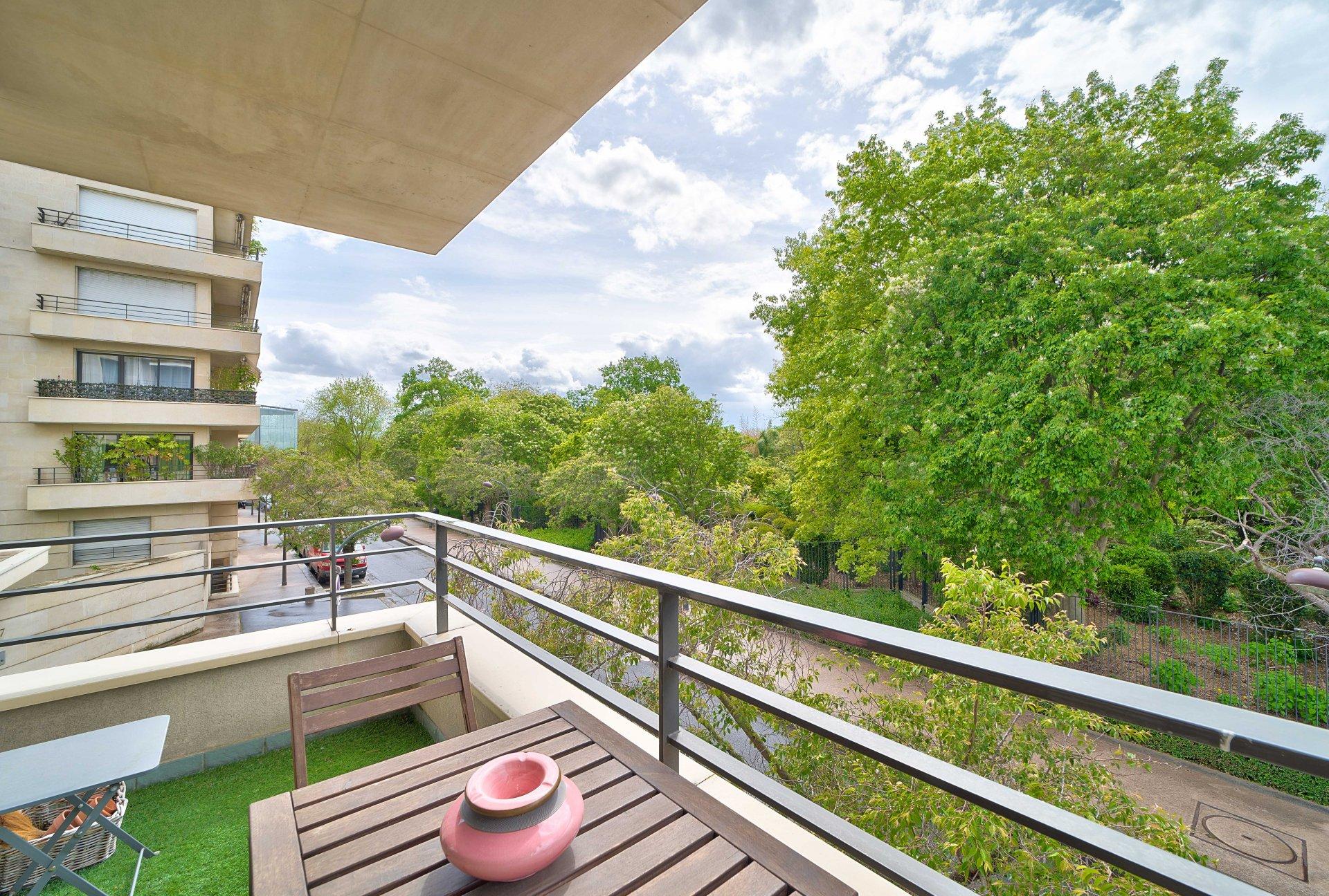 Appartement familial avec balcon - Parc A. Citroën