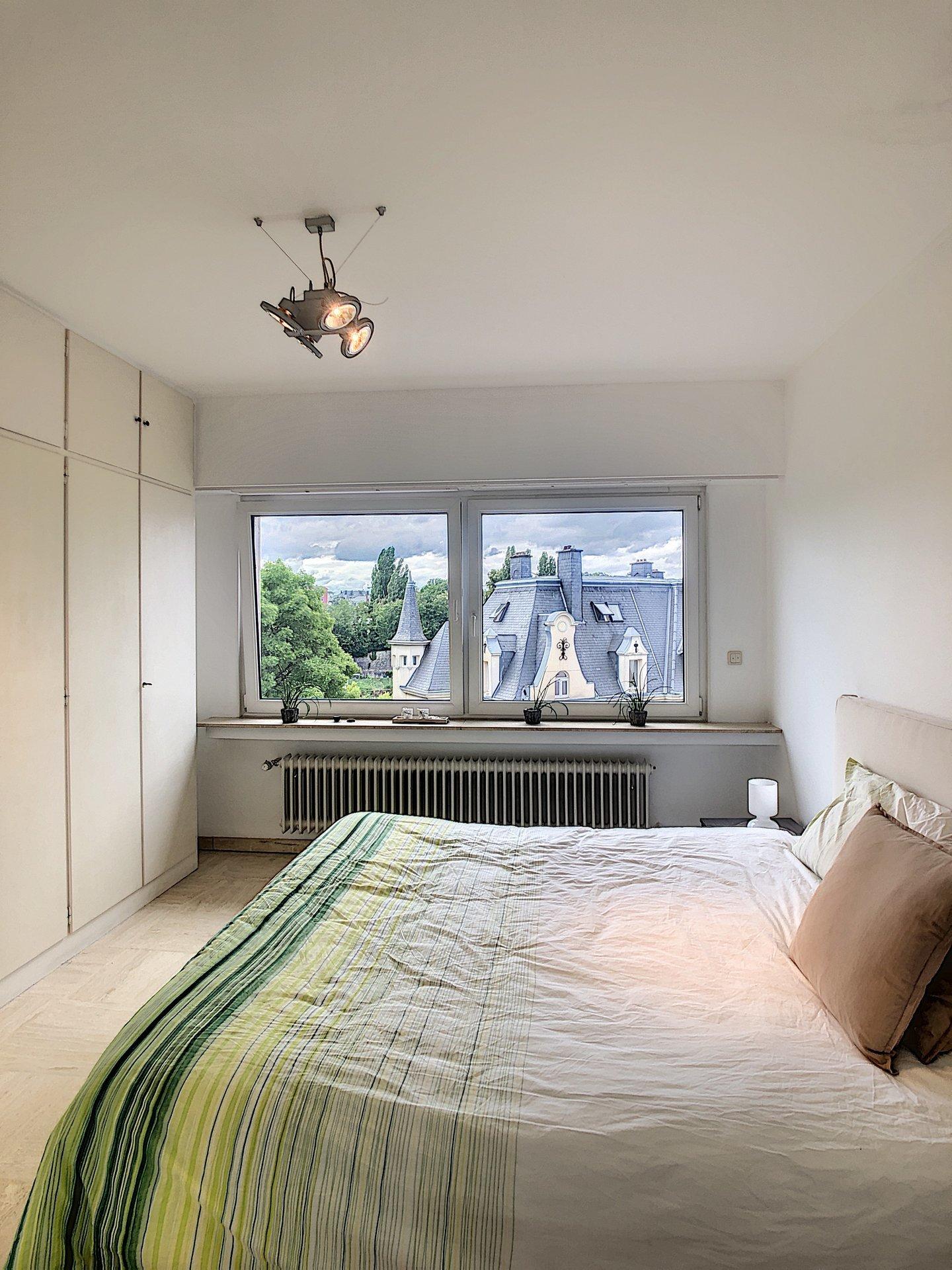 Luxembourg Downtown - top floor 2-BR apartment open view Pétrusse