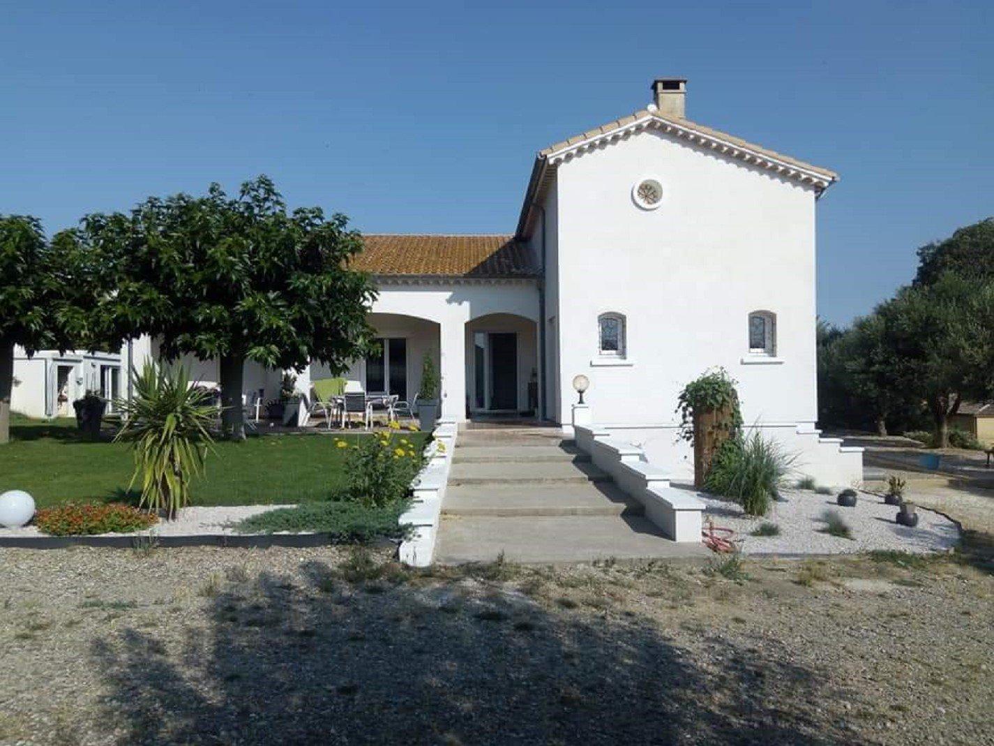 Propriété avec Piscine et deux maison indépendantes