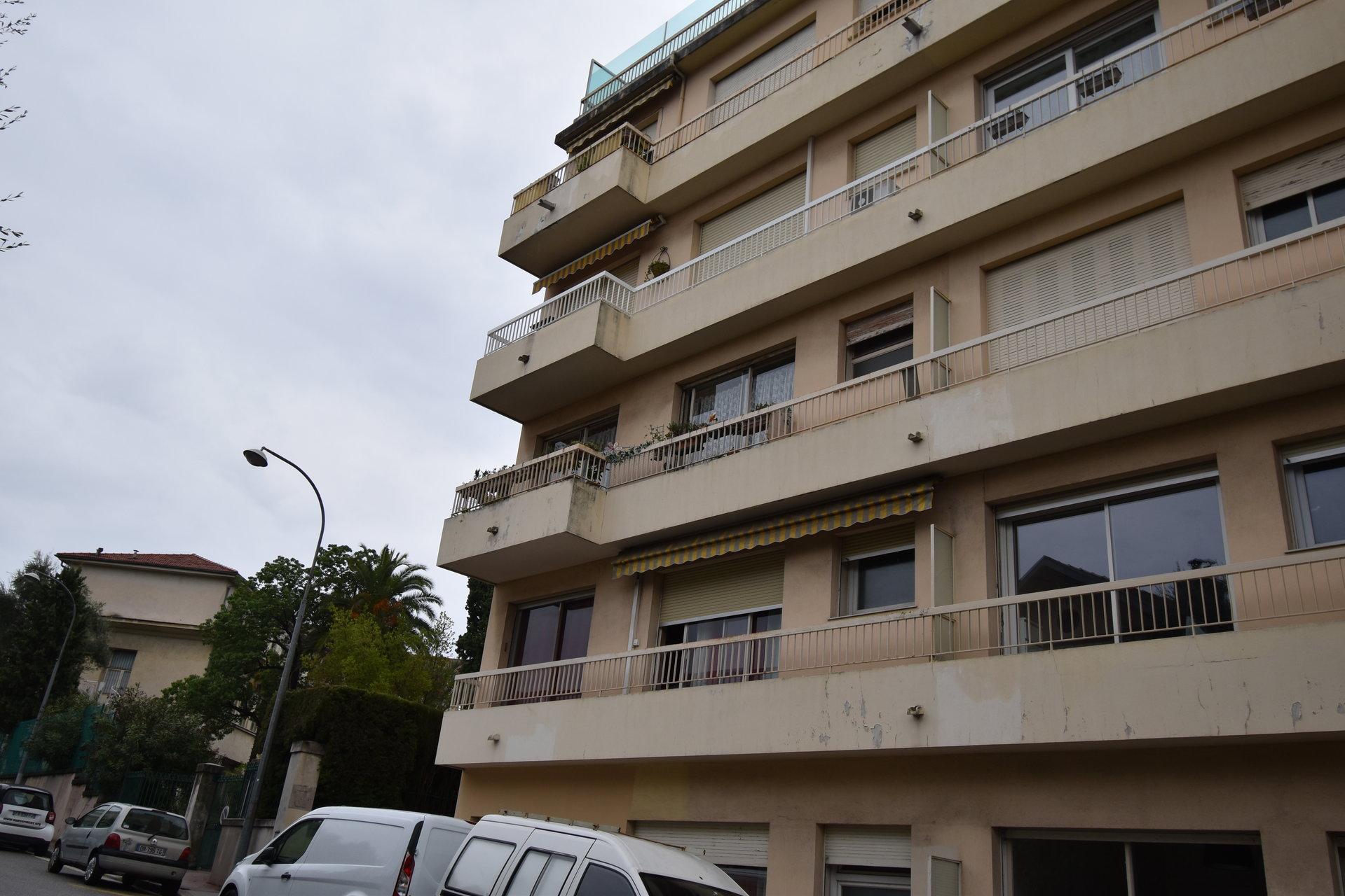 2 pièces à vendre, Nice Eveché, terrasse, balcon, cave