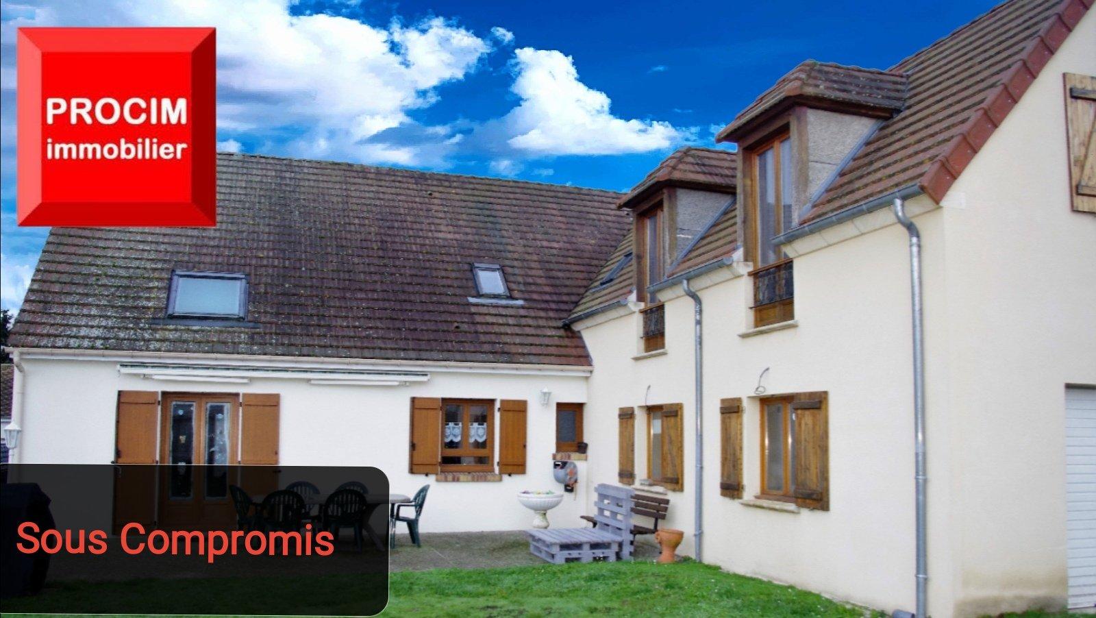 Pavillon 150 m² avec dépendance.