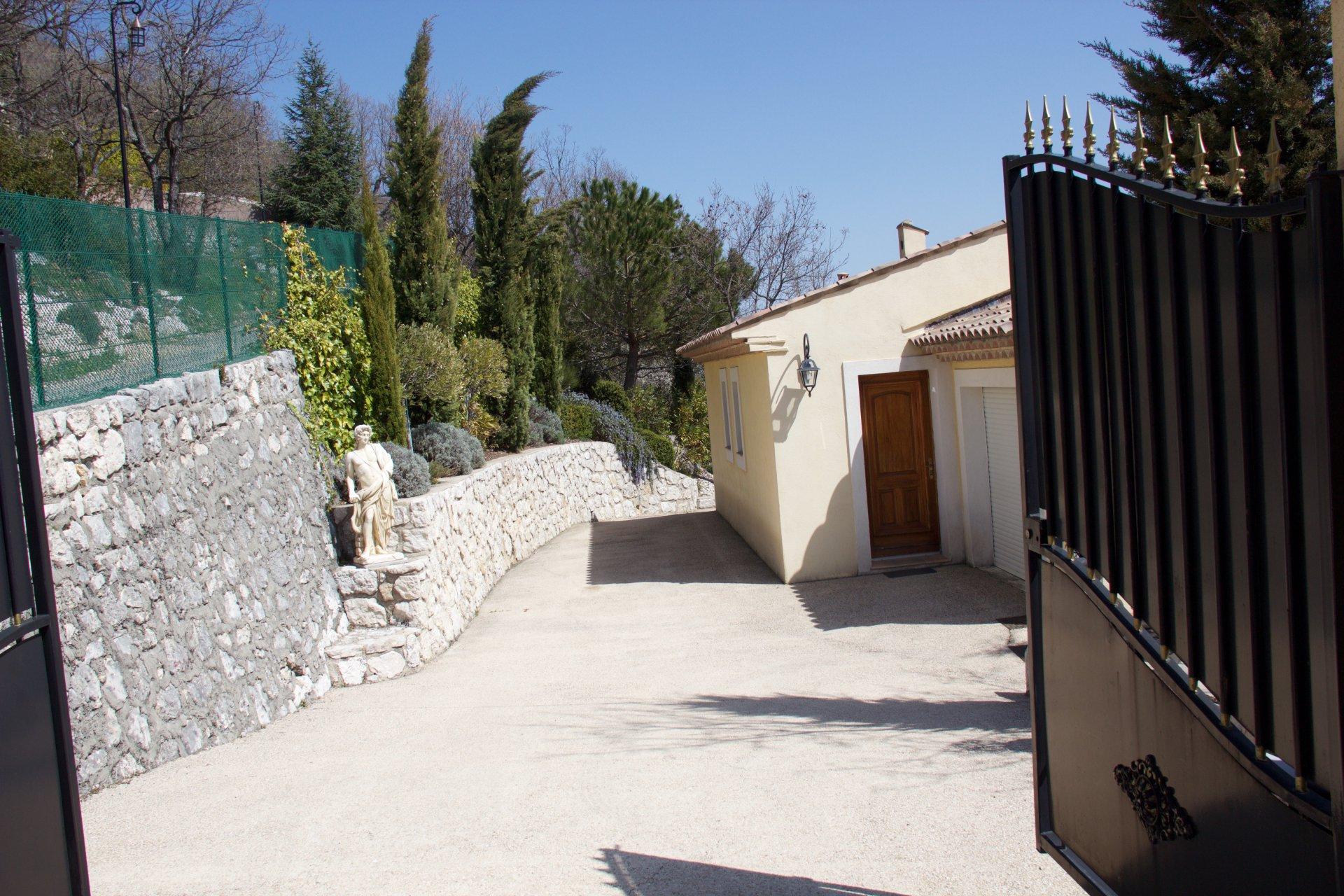 Sale Villa - Coursegoules