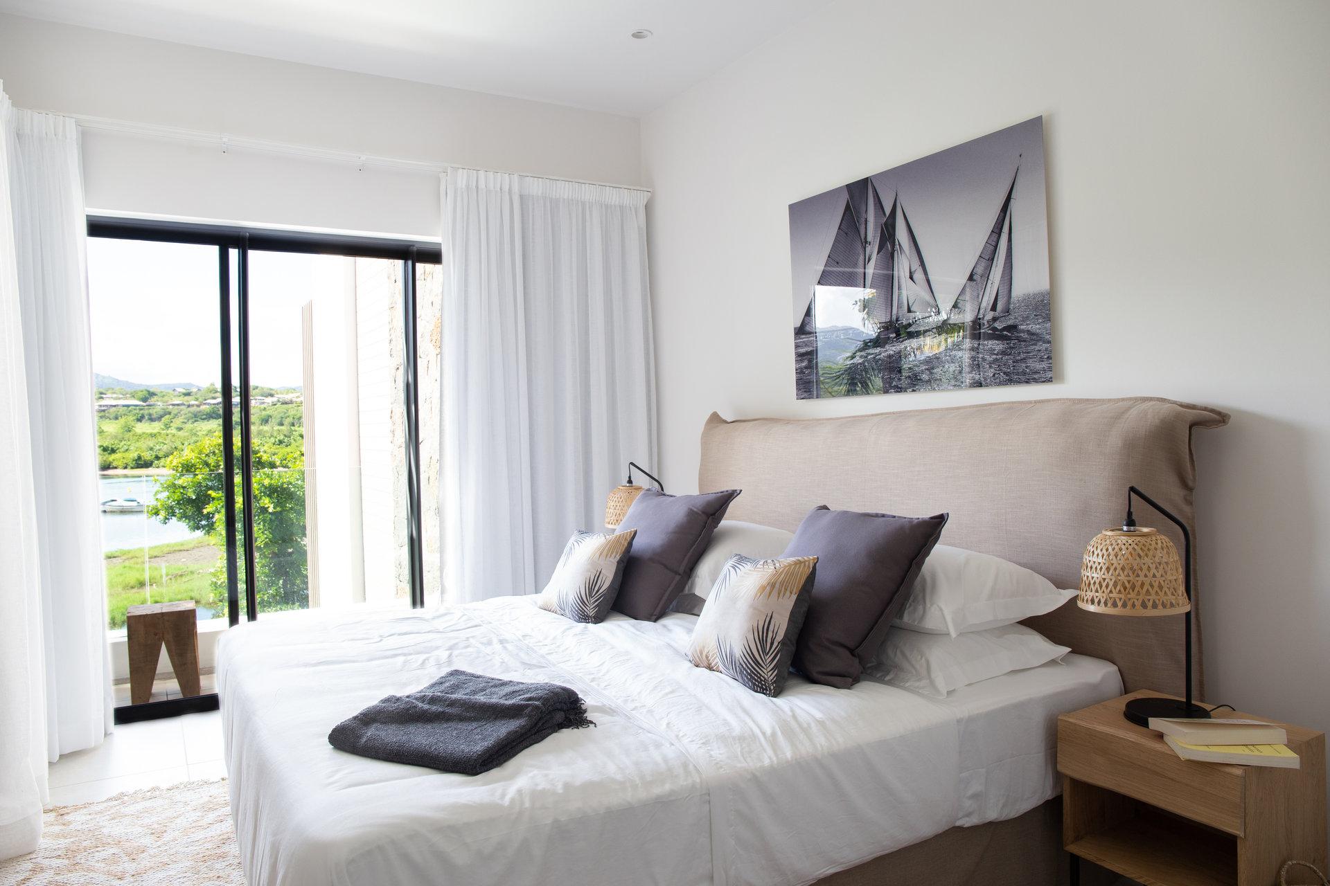 bel appartement donnant sur la rivière