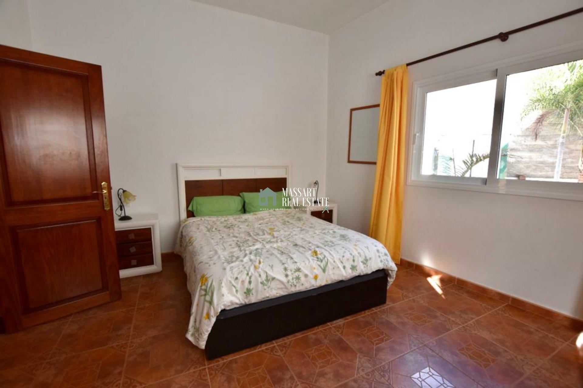 Te presentamos hoy estas viviendas completas e independientes ubicadas en una parcela de 700 m2 en un entorno de absoluta tranquilidad en Granadilla de Abona.