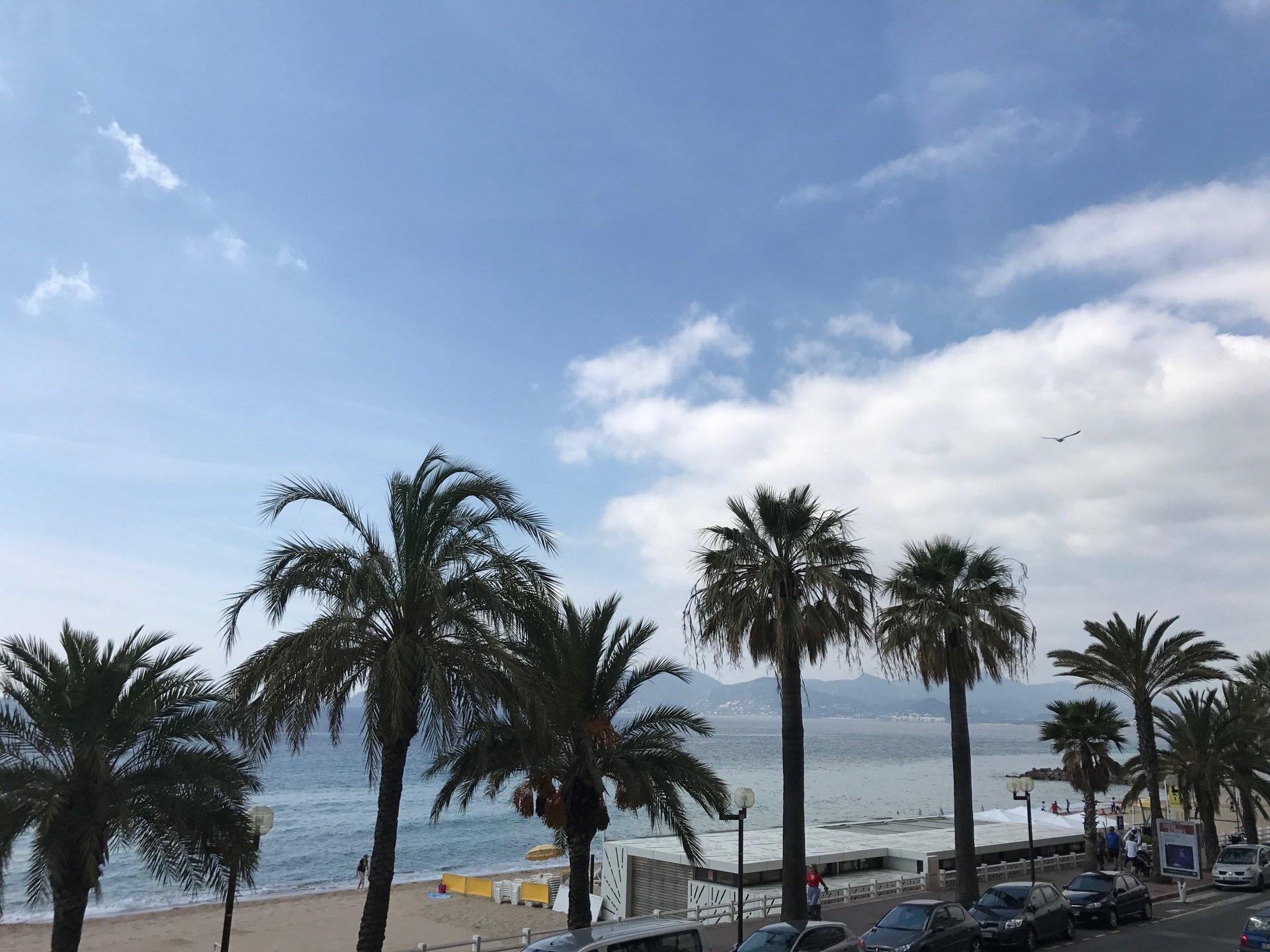3:a med terrass och fantastisk havstutskit - Cannes Plages du Midi