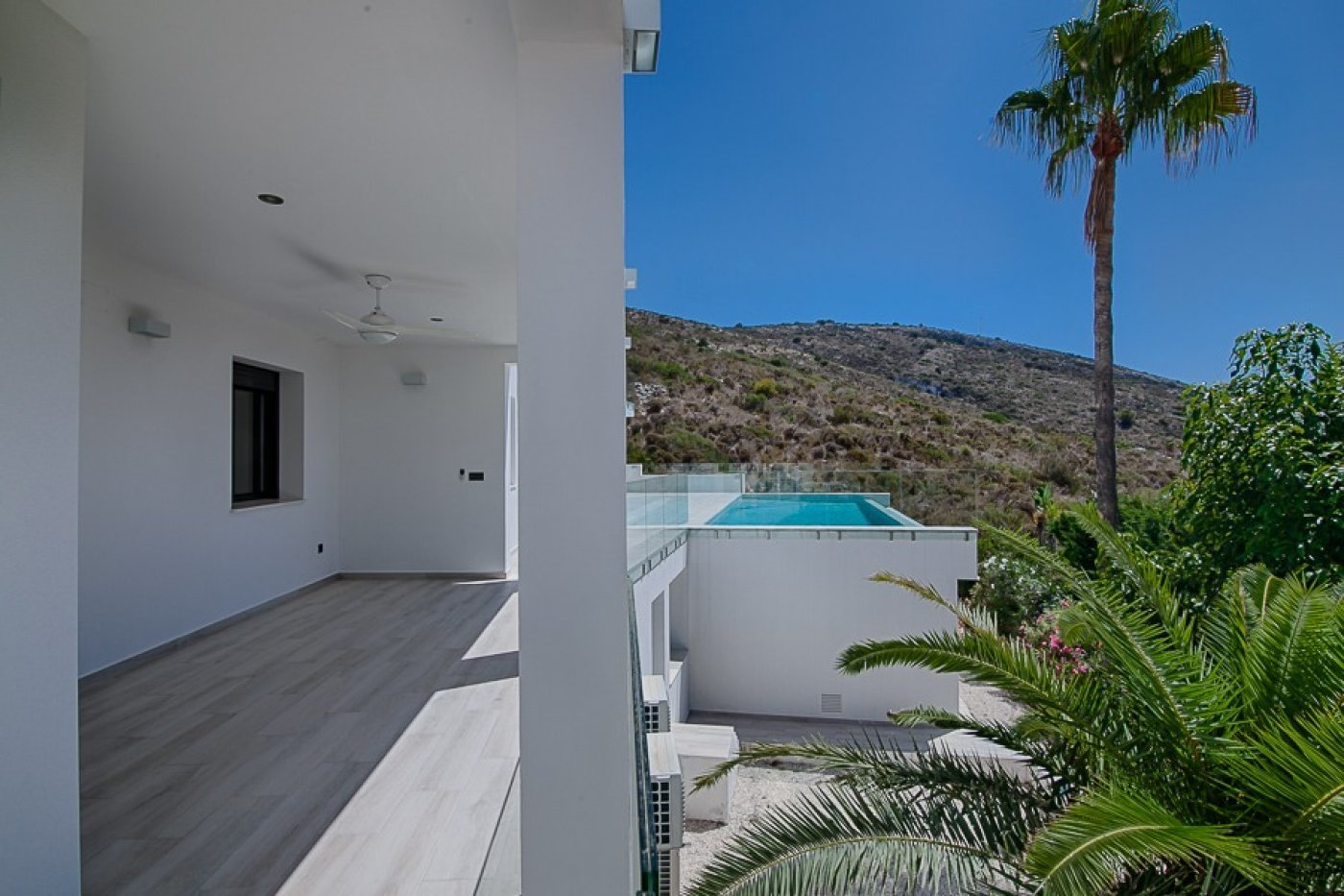 New modern villa with excellent sea views in El Portet