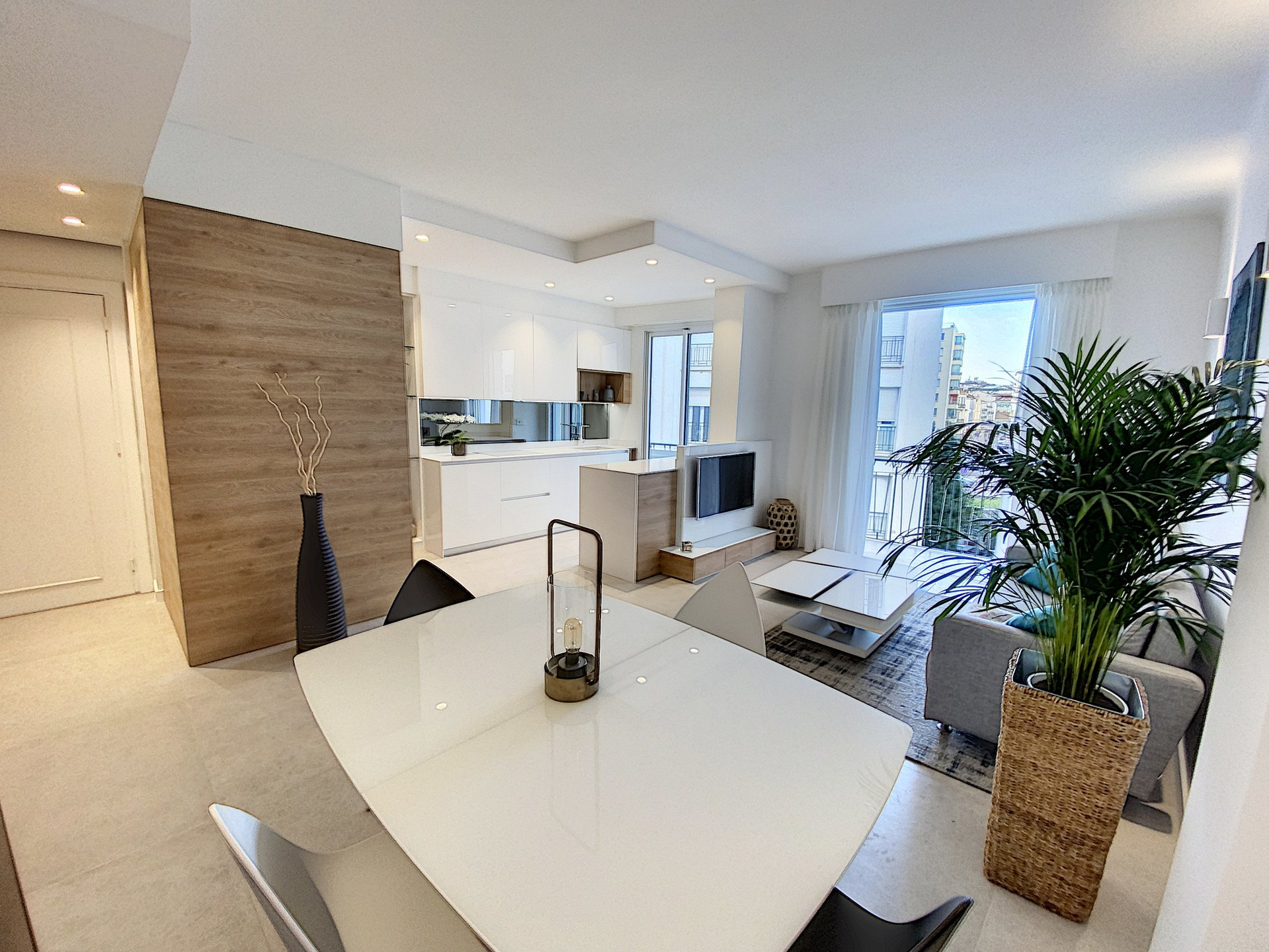 Cannes Armenonville - 3 room 64 sq.m Garage.