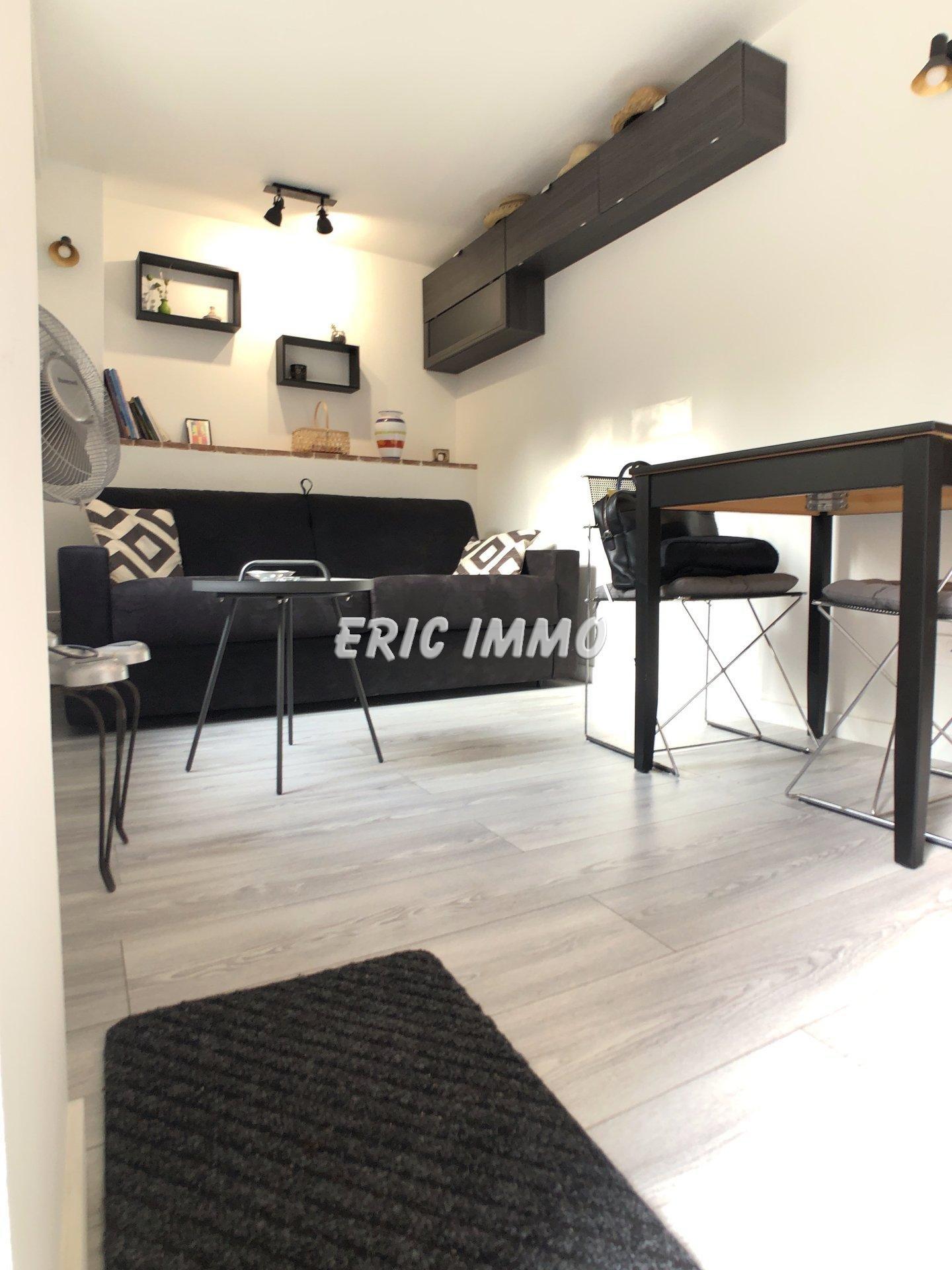 NICE MADELEINE. A louer Studio meublé + terrasse + parking