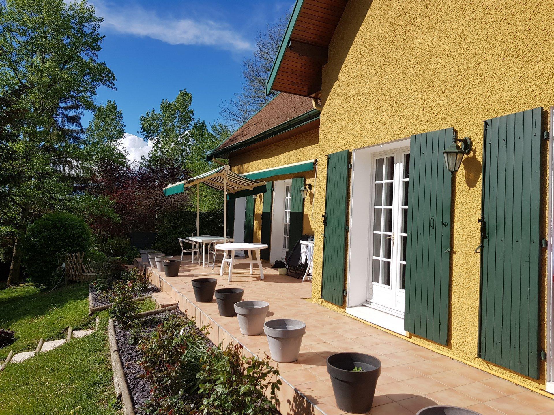 MEYSSIEZ, Villa 5 chambres avec piscine